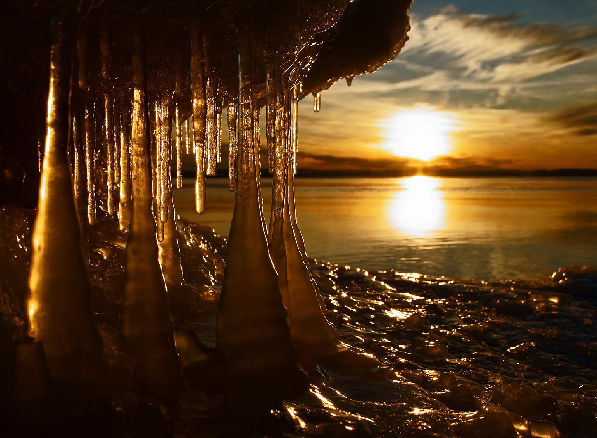 Icestalactites by Peter Samuelsson