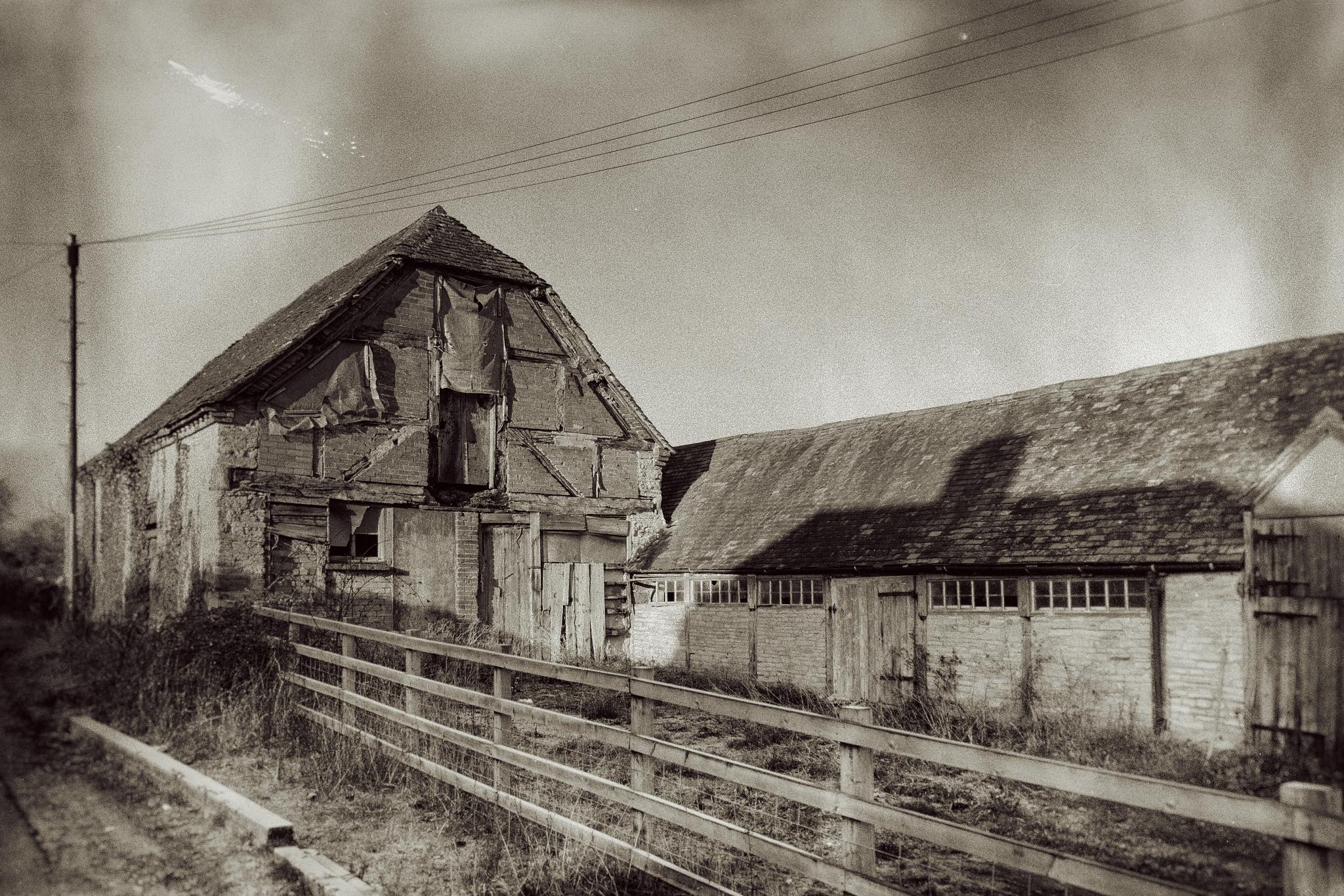 Old Barn by andywest630