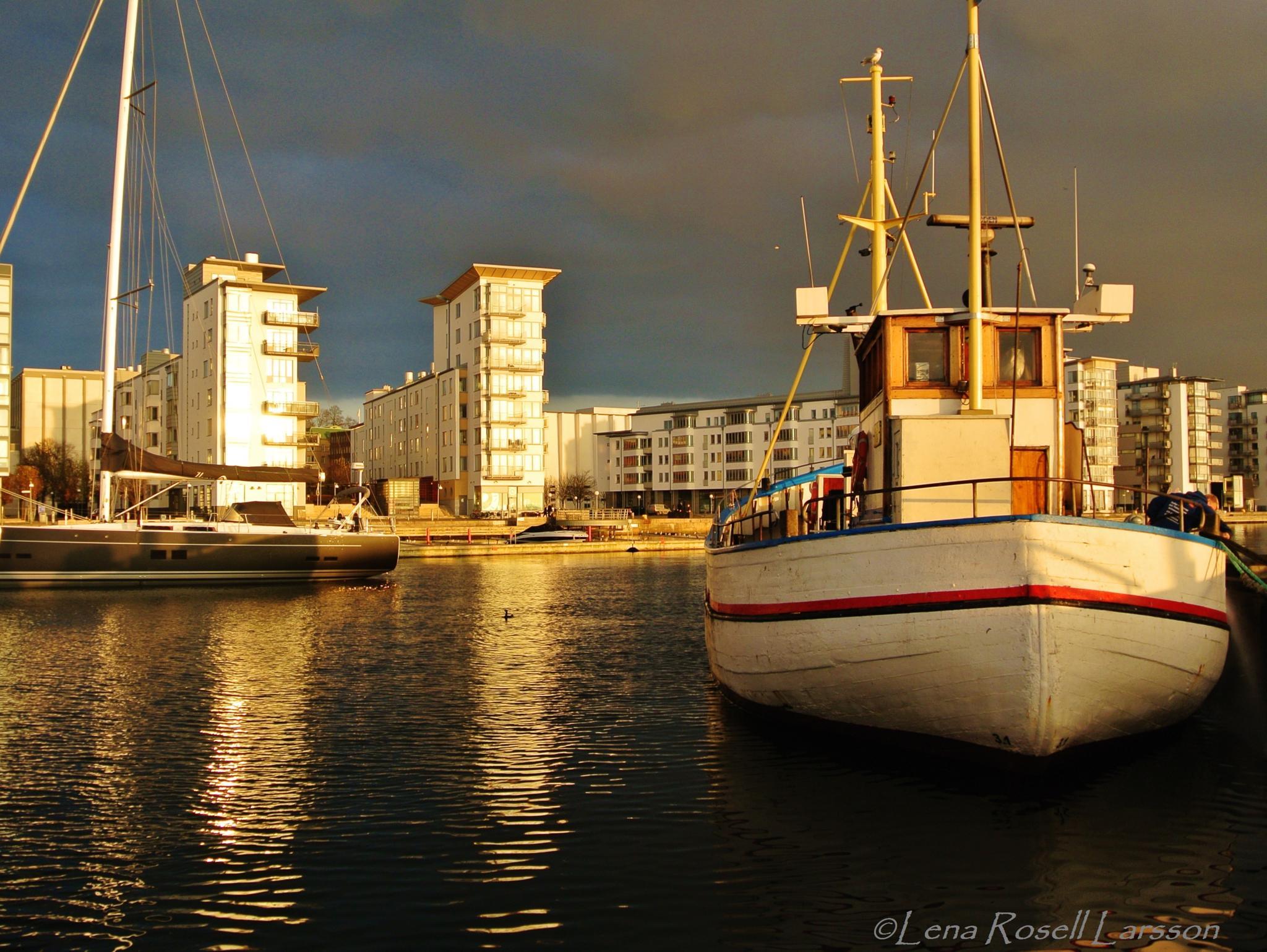 Fishing Boat by lena.roselllarsson
