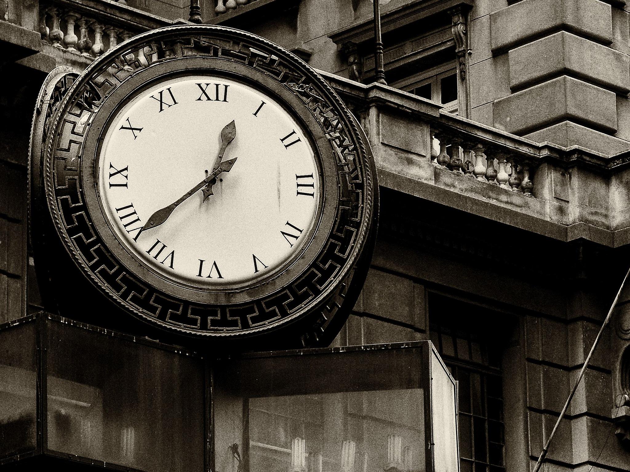 Clock by PedroPauloRipper