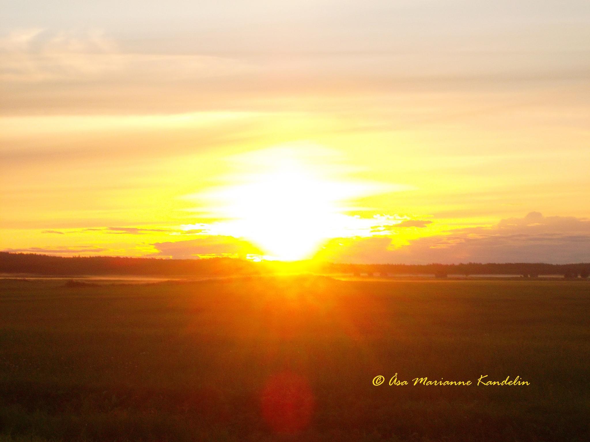 Sunset in Sweden by Marianne Kandelin