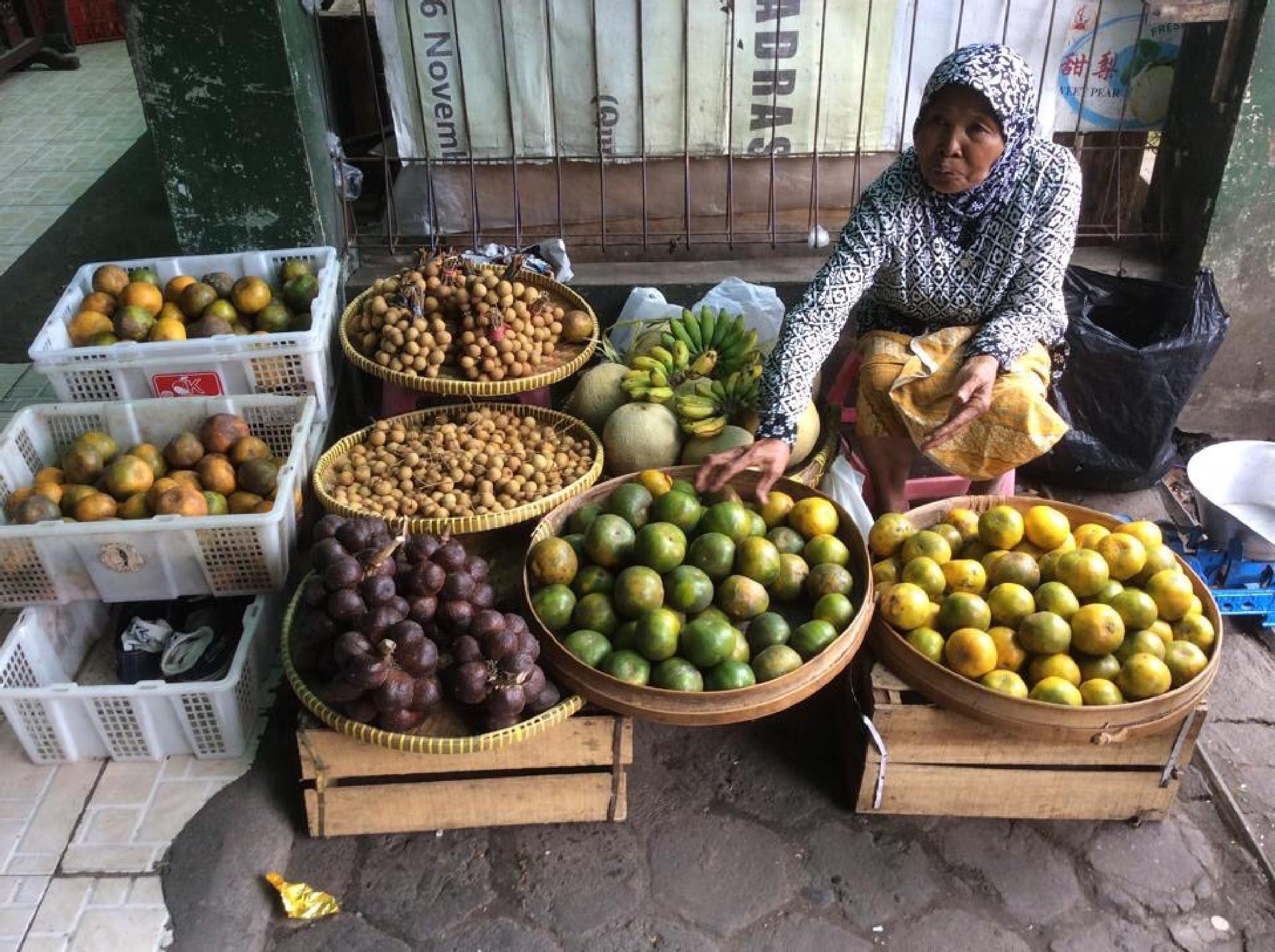 Fruits vendor by johnny.kariono