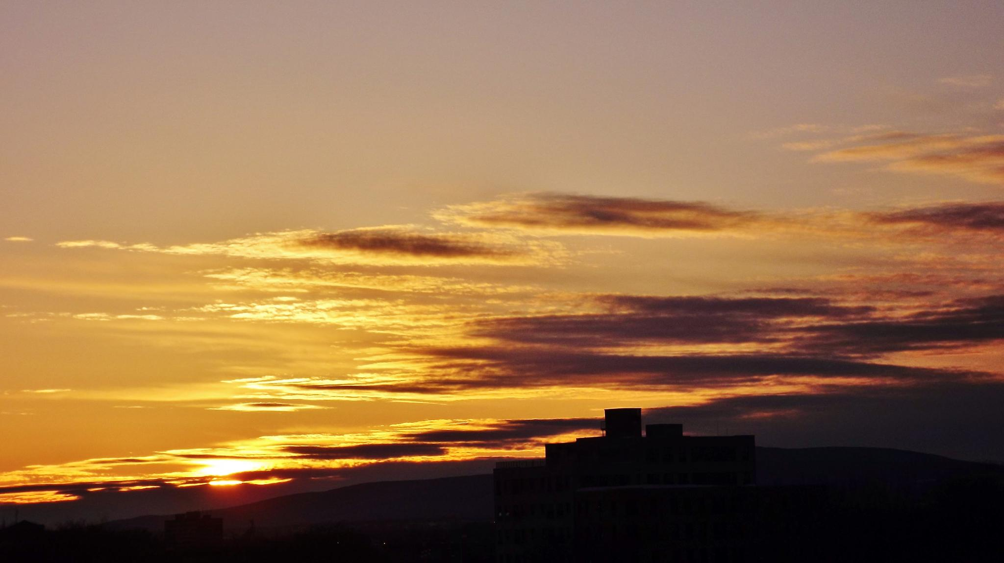 Quebec city yesterday downtown sunset & clouds by real.michaud.5036