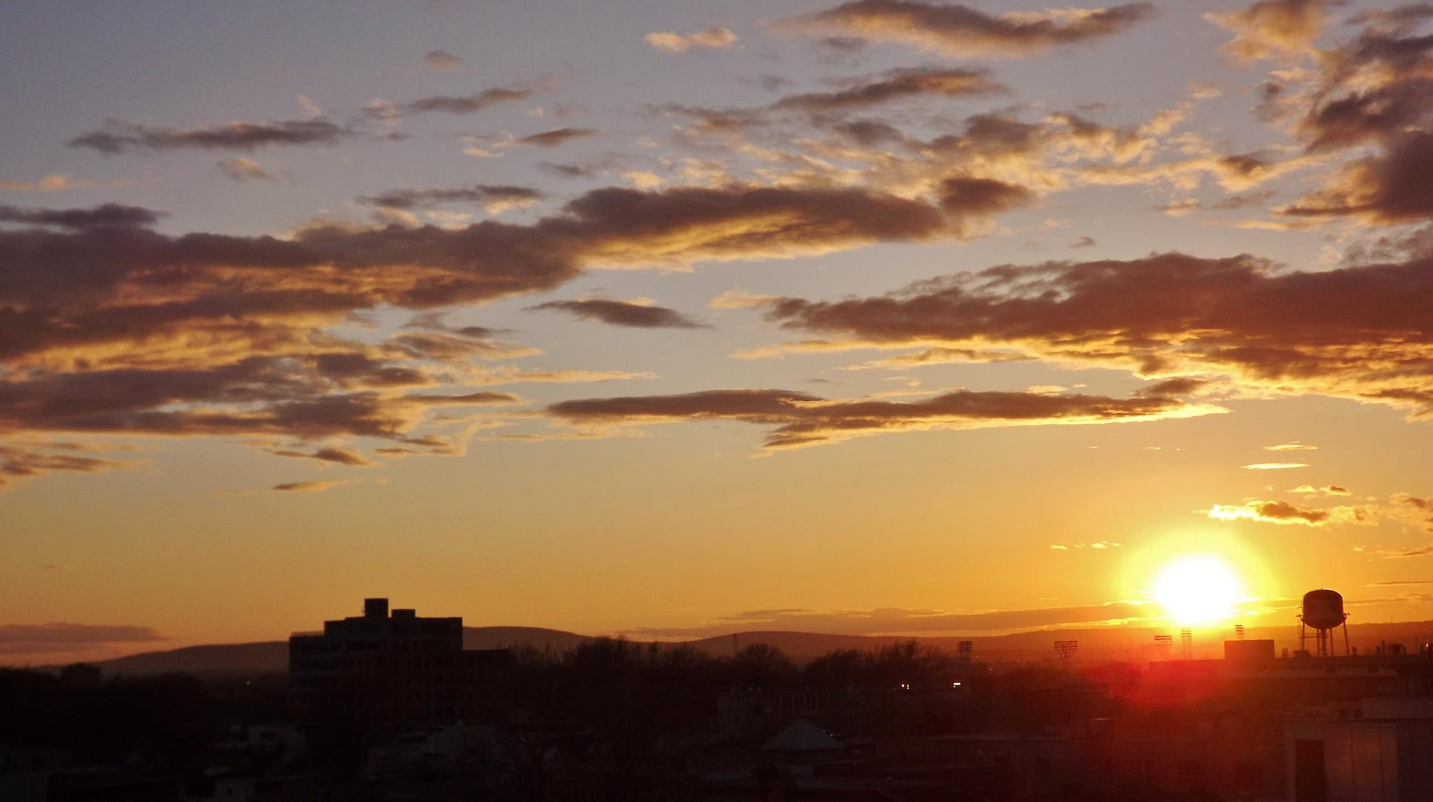 Sunset on the city by real.michaud.5036