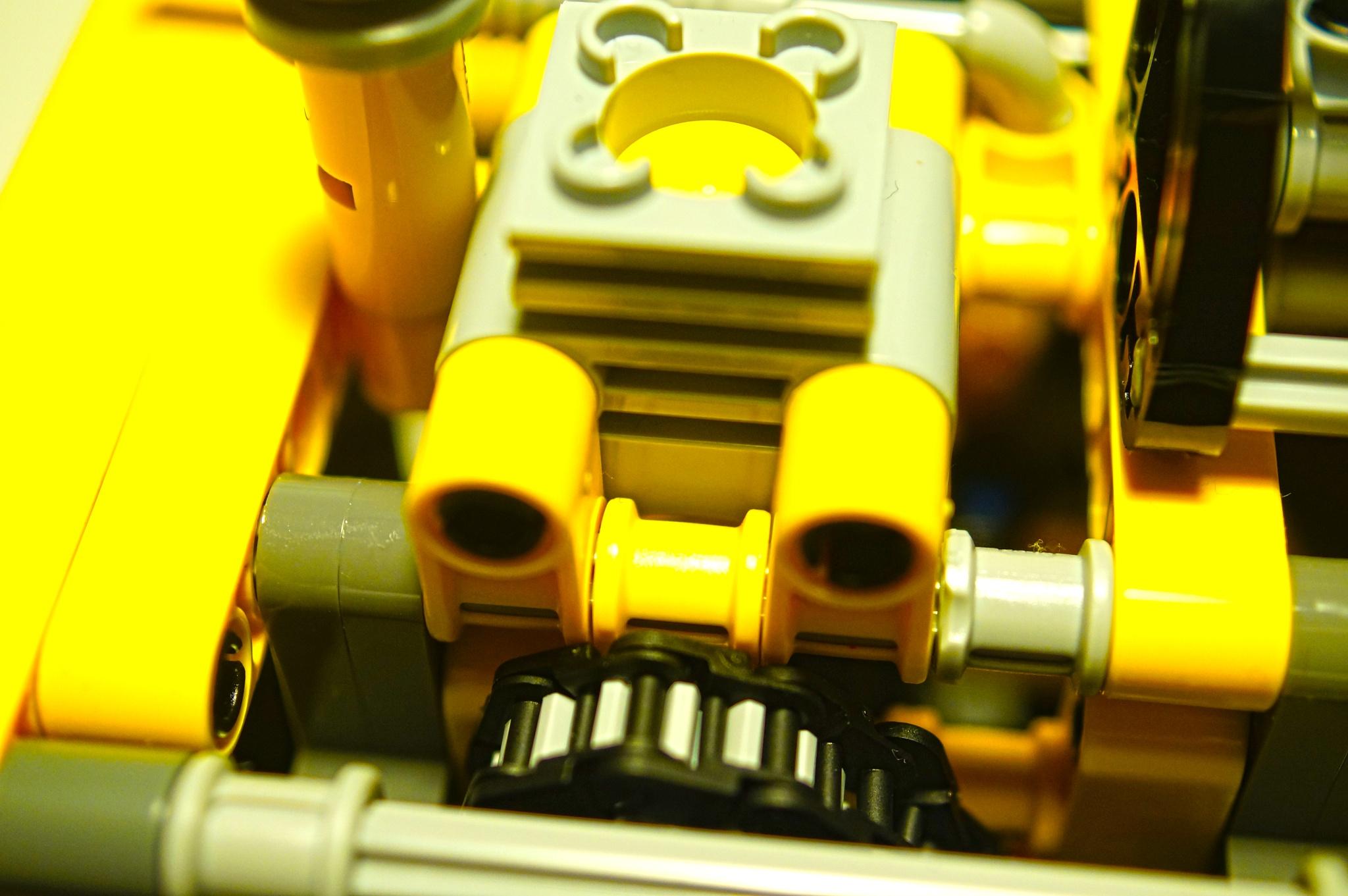 LEGO PISTON-CYLINDER DEVICE by Blackhawk