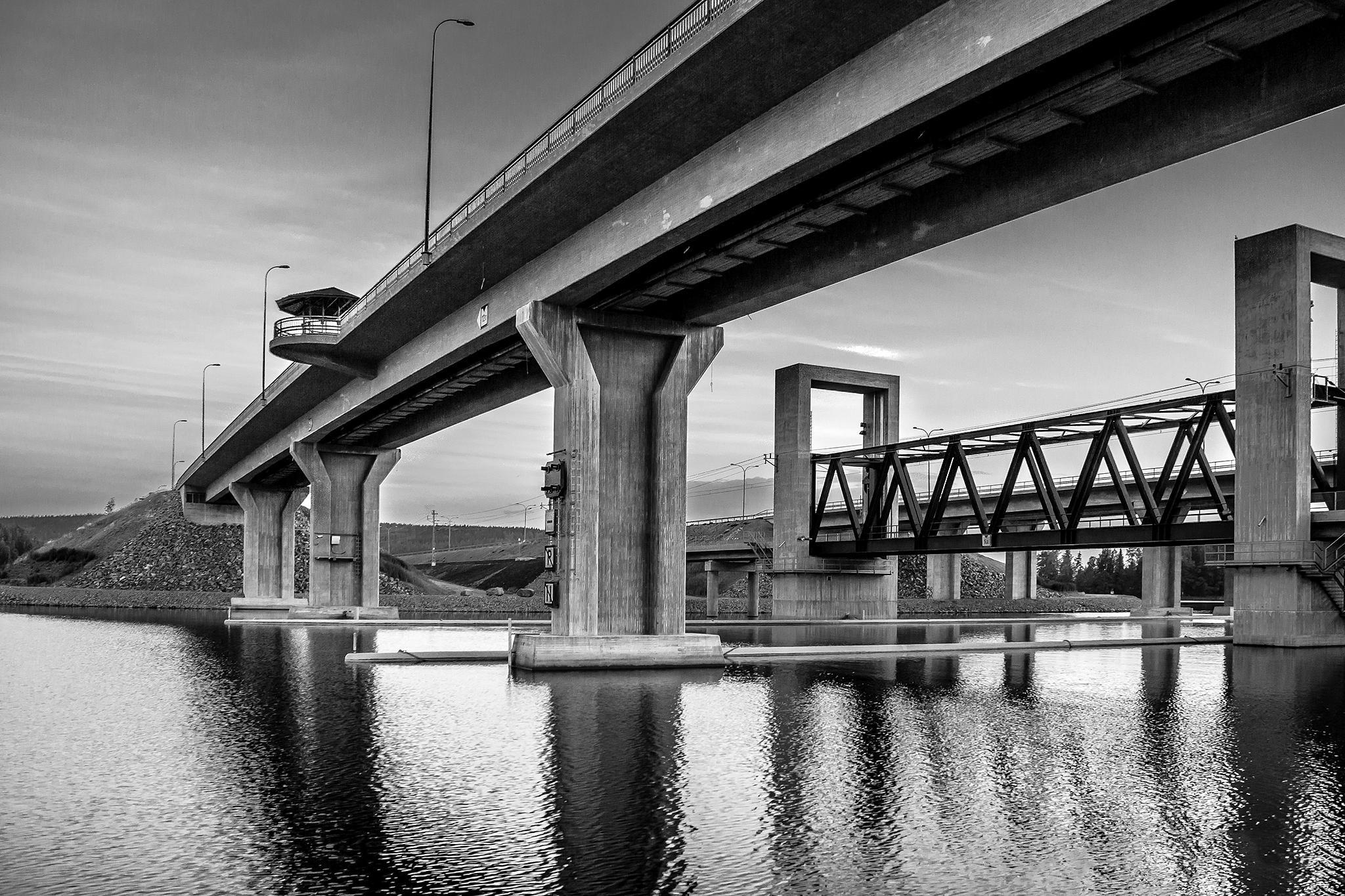 Under the bridge by Esa Vastamaki