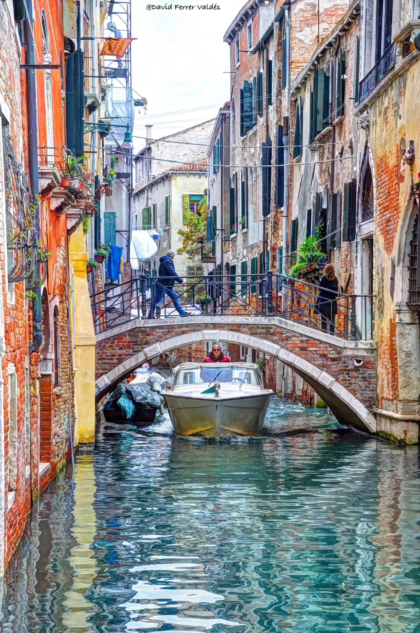 Narrow Venice by davidferrervaldes