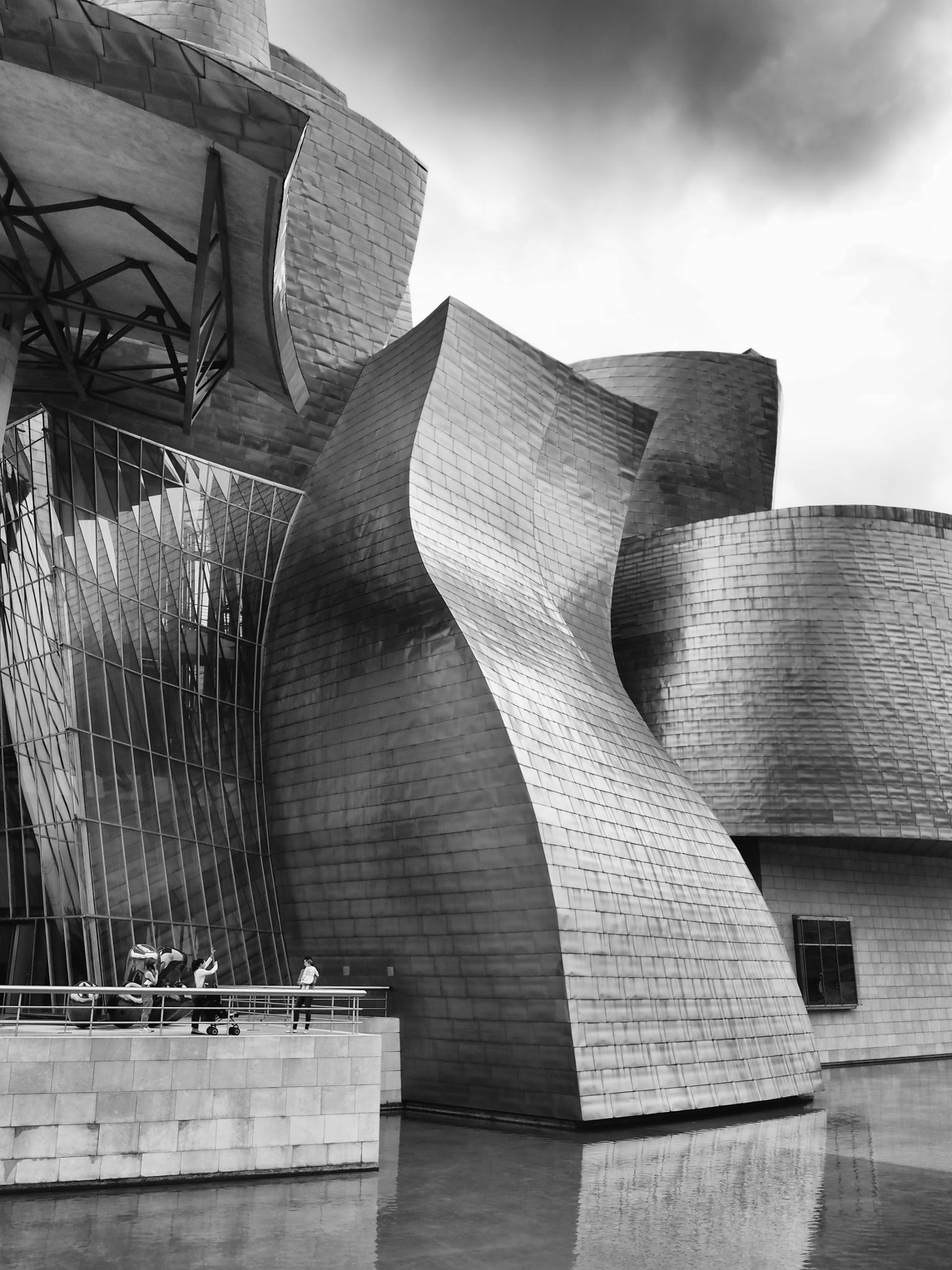 Guggenheim Bilbao by Hailceaser