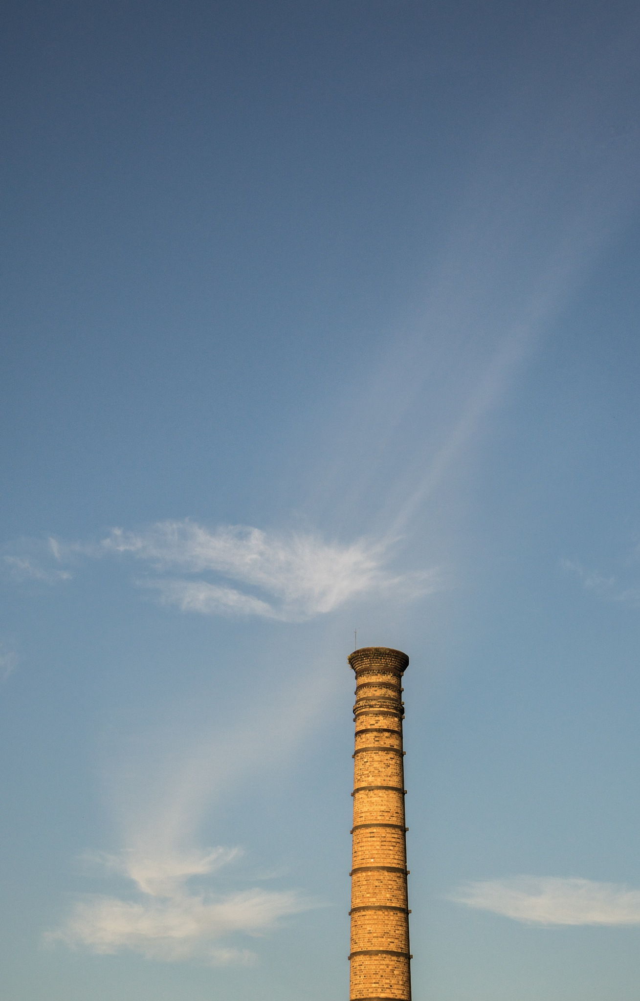 Chimney Cloud. by ensbassatt