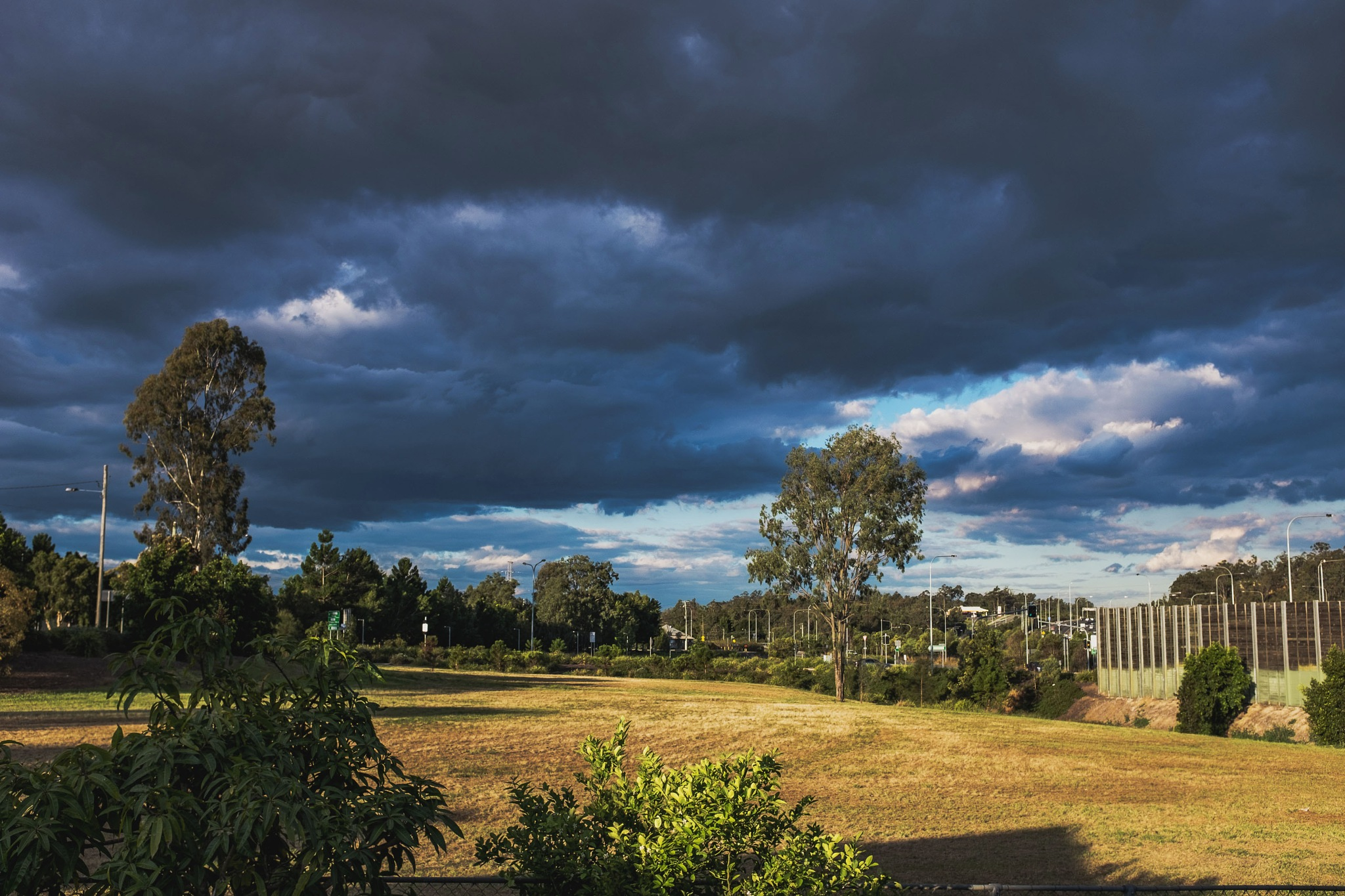 Storm Clouds, No Rain. by ensbassatt