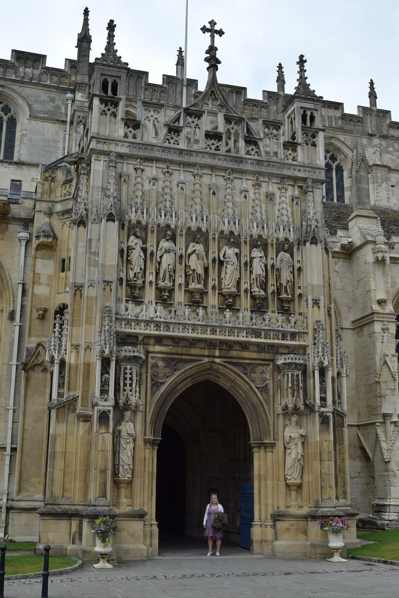 Gloucester Cathedral, main entrance by Gwynboyo