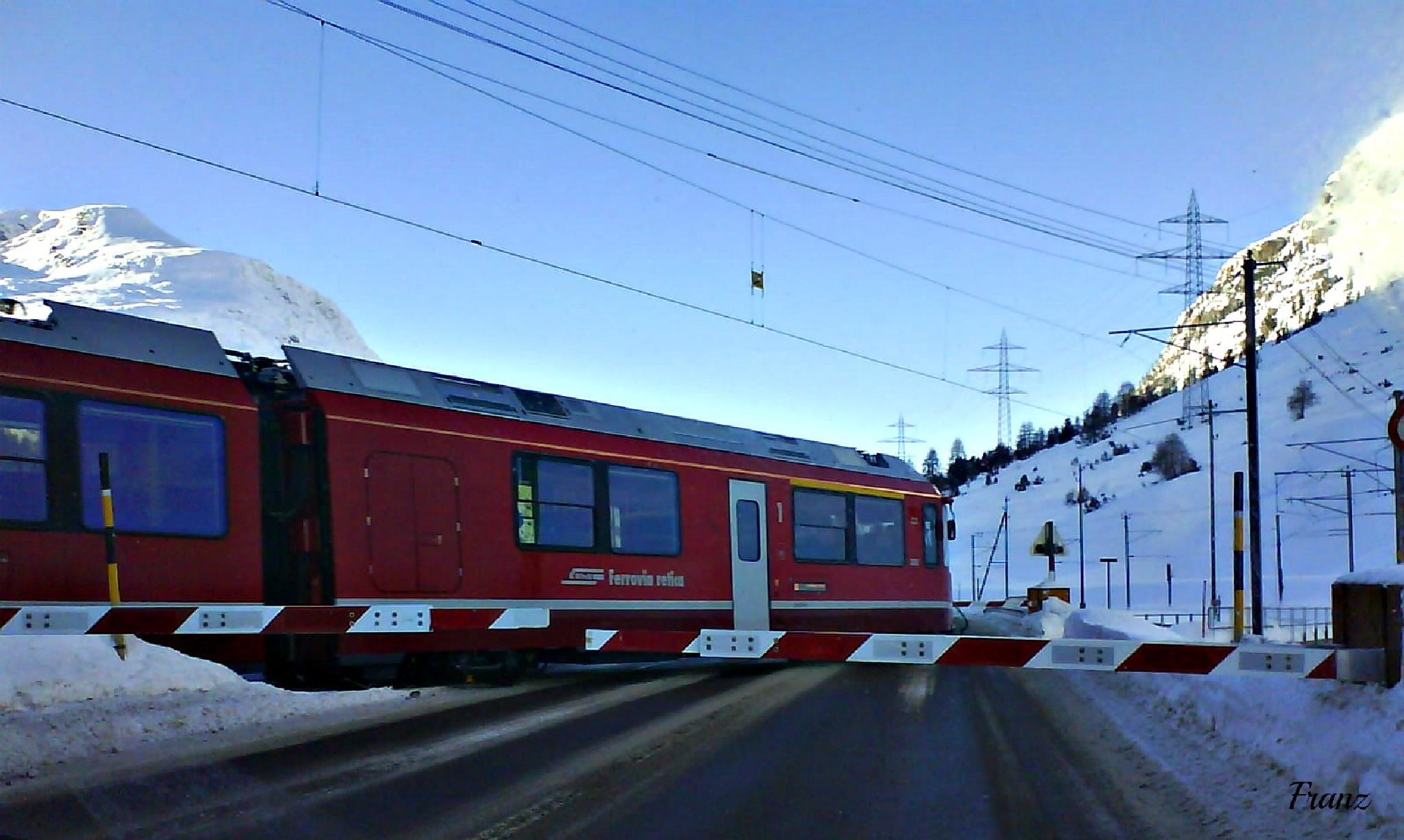 Trenino rosso del Bernina by WuzMykl