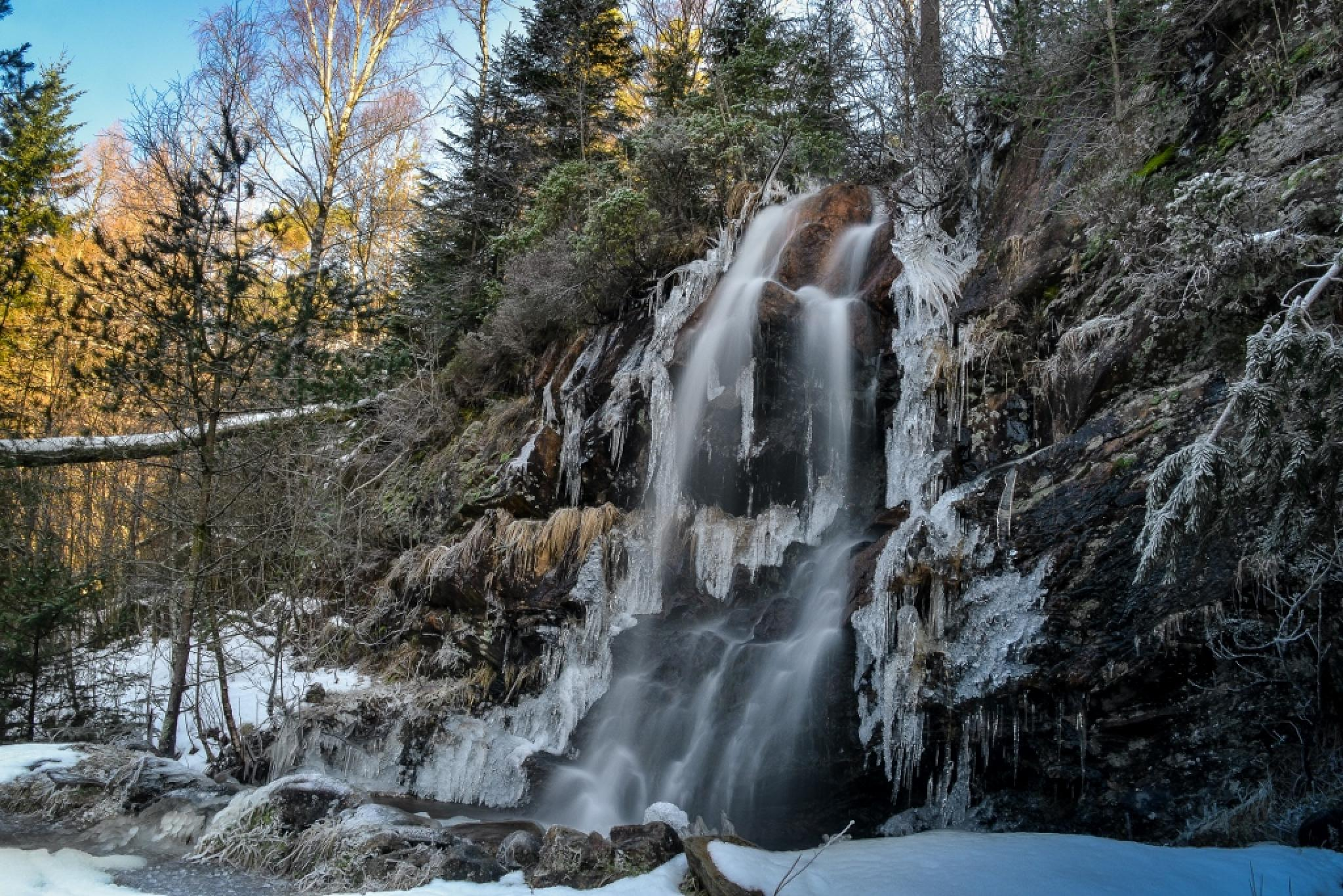Winter Waterfall by MjollnirMacAlba