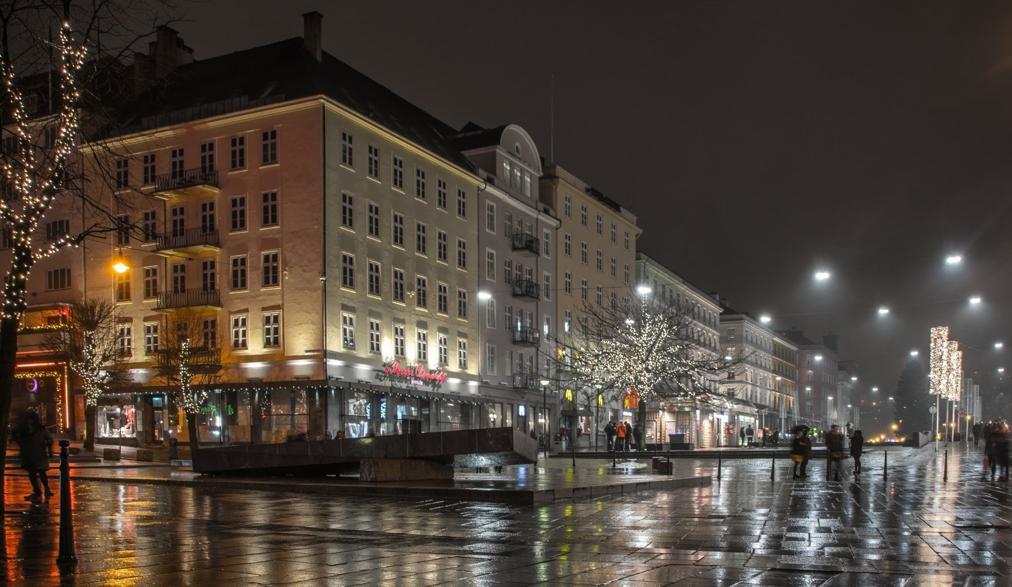 Photo in Cityscape #city #cityscape #streets #rain #reflections #lights #people #bergen #norway #4j