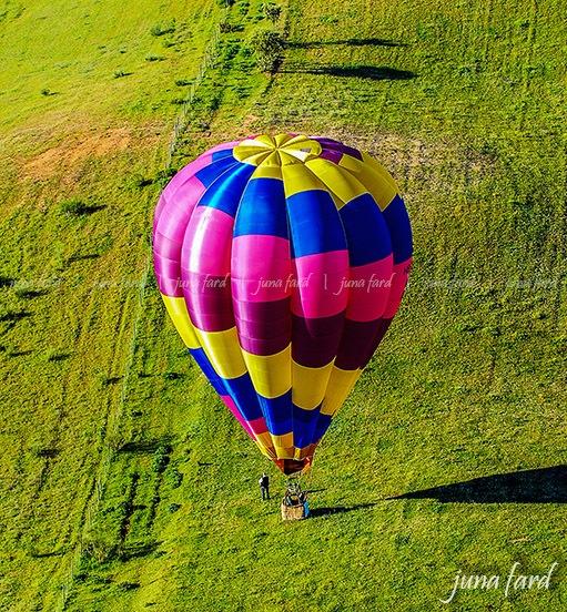 #hot_air_balloon | photo by juna fard by juna fard