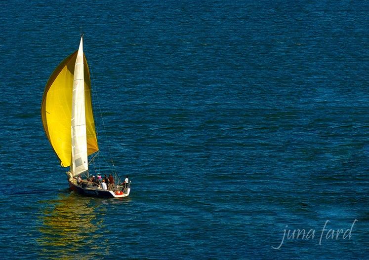 | barco a vela | minimalista | by juna fard | by juna fard