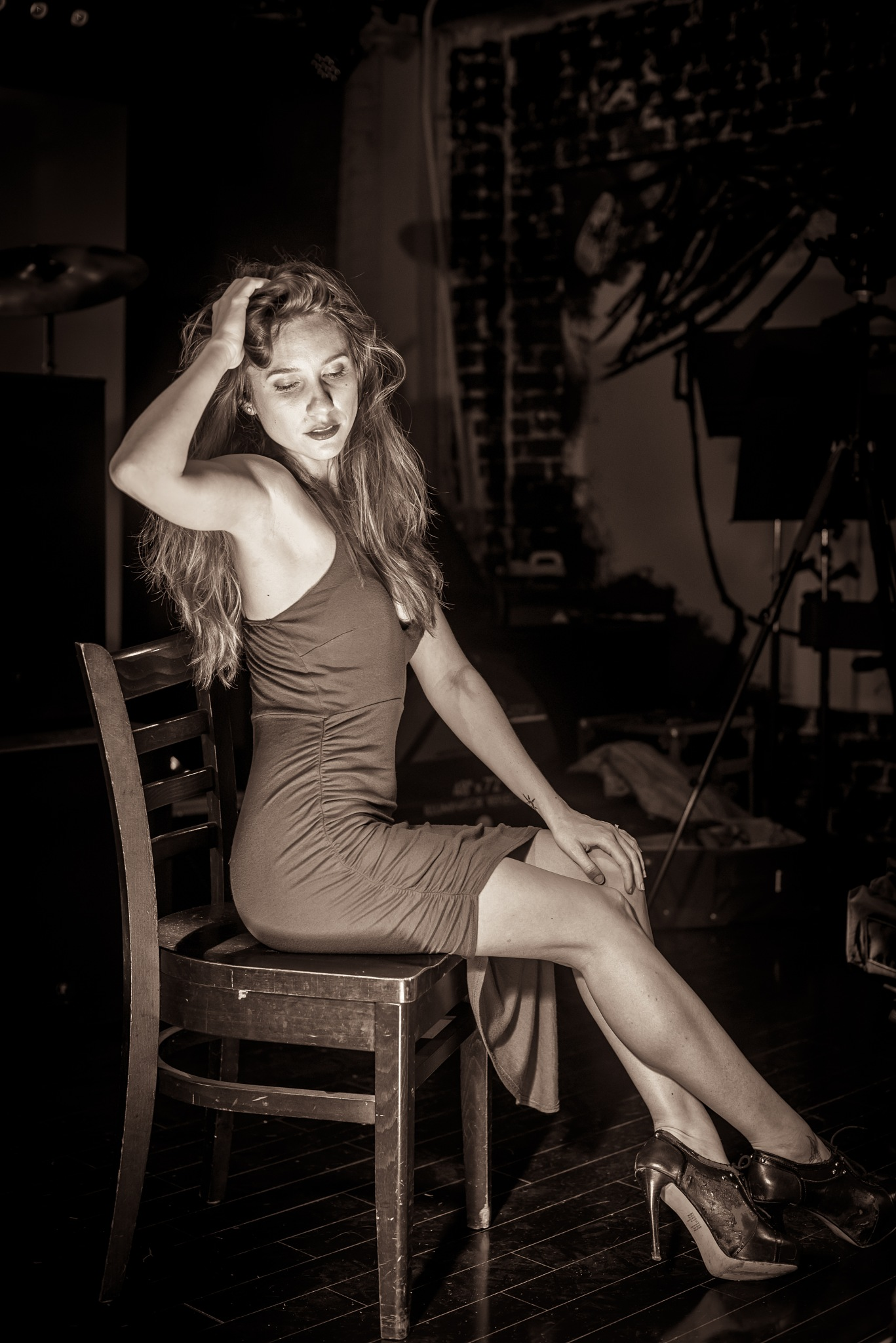 Kira Model Sepia by Avedis