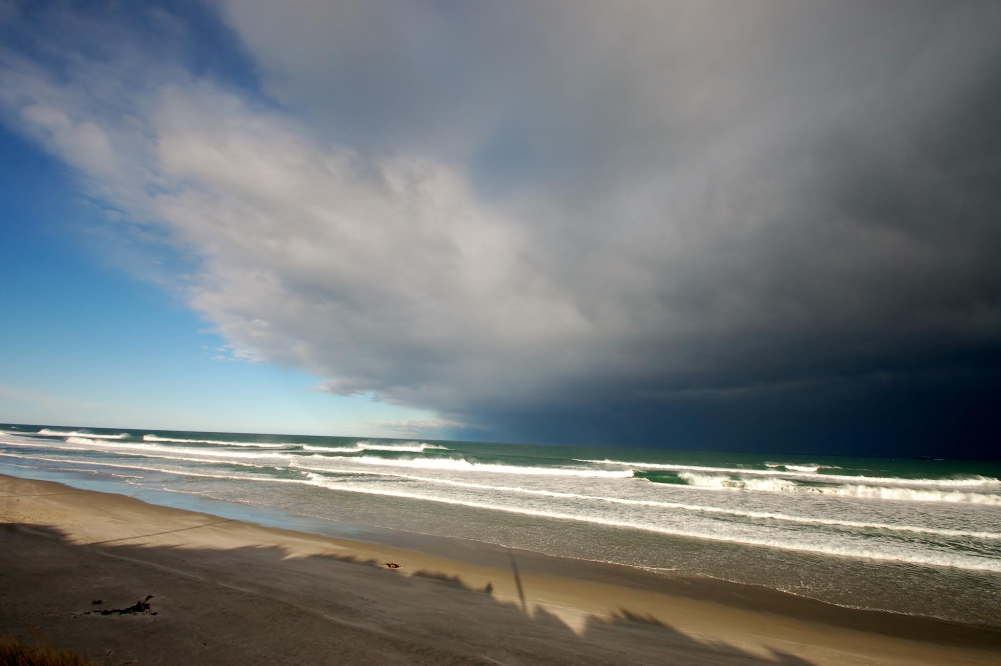 Southerly  front storming in  by rob.hannagan.1
