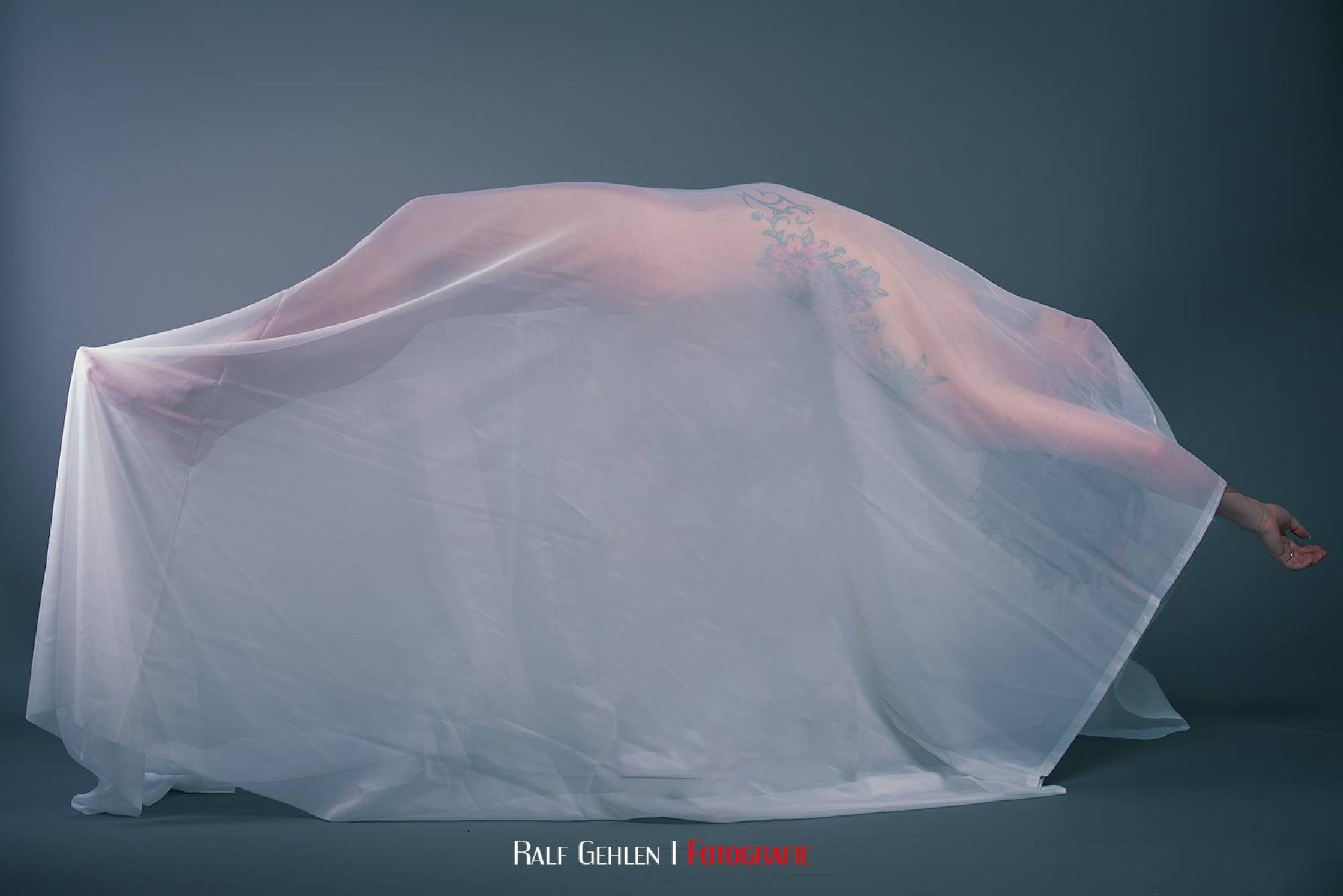 Levitation by RG Fotografie