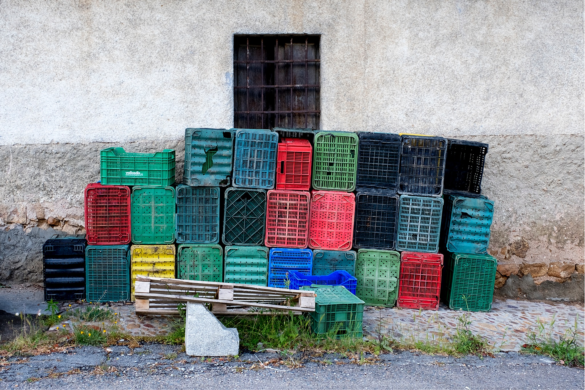 Plastic wall. by mster00
