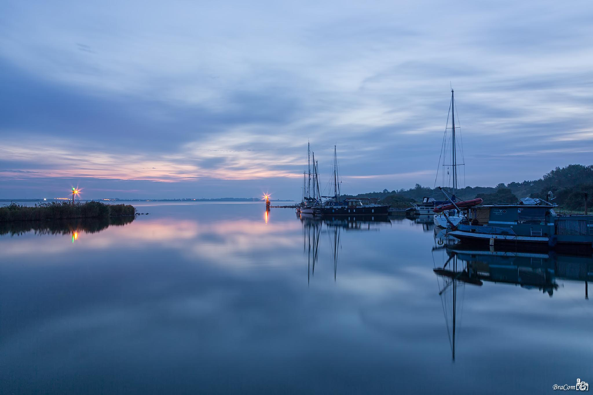 Morning light and reflections by Bram van Broekhoven