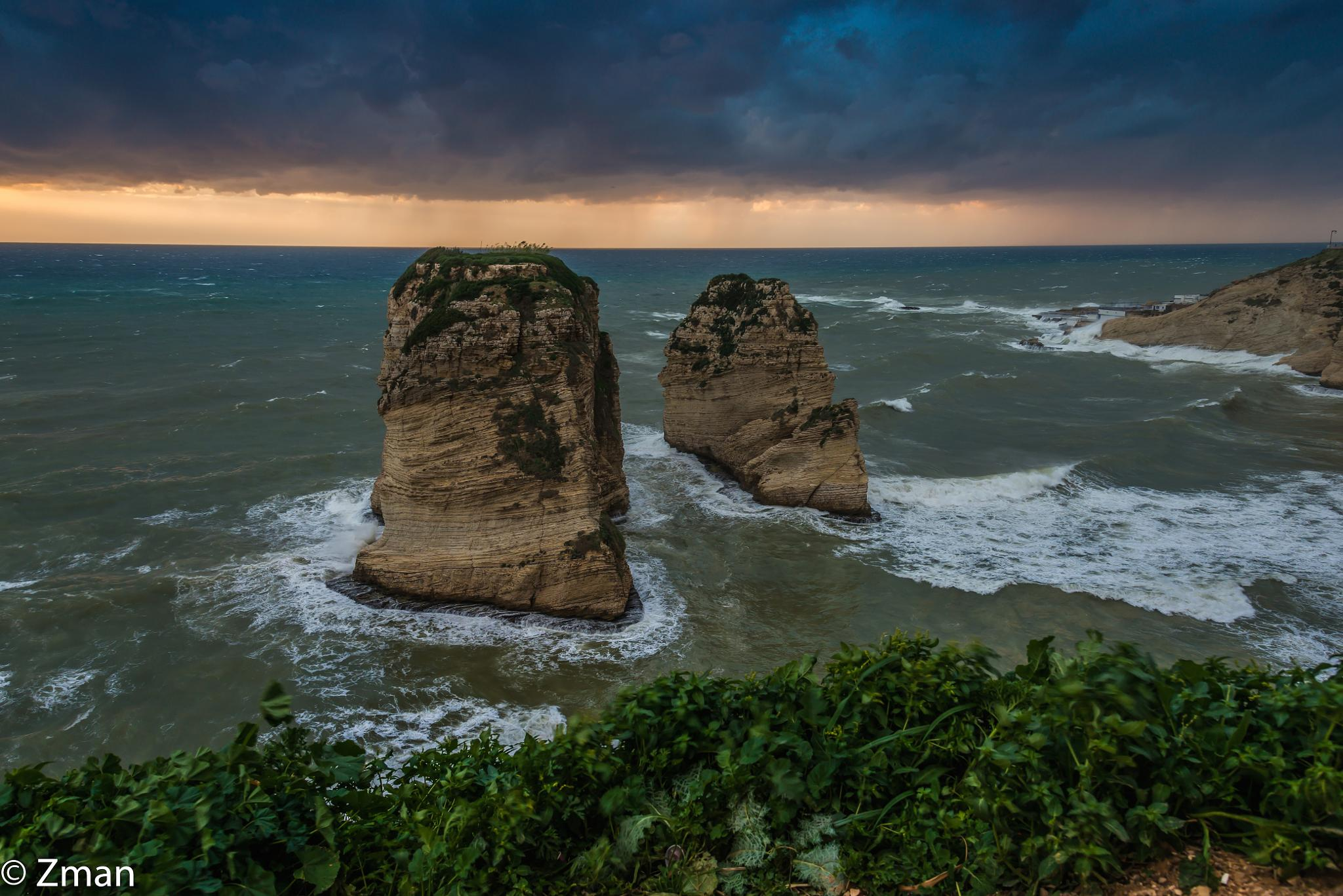 The Pigeon Rocks On a Very Cold and Windy Day by muhammad.nasser.963