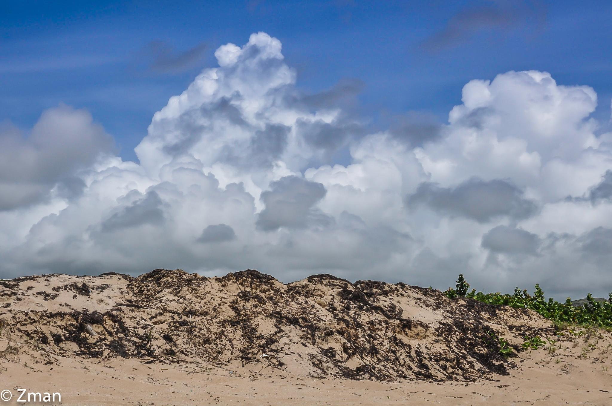 Sand and clouds by muhammad.nasser.963