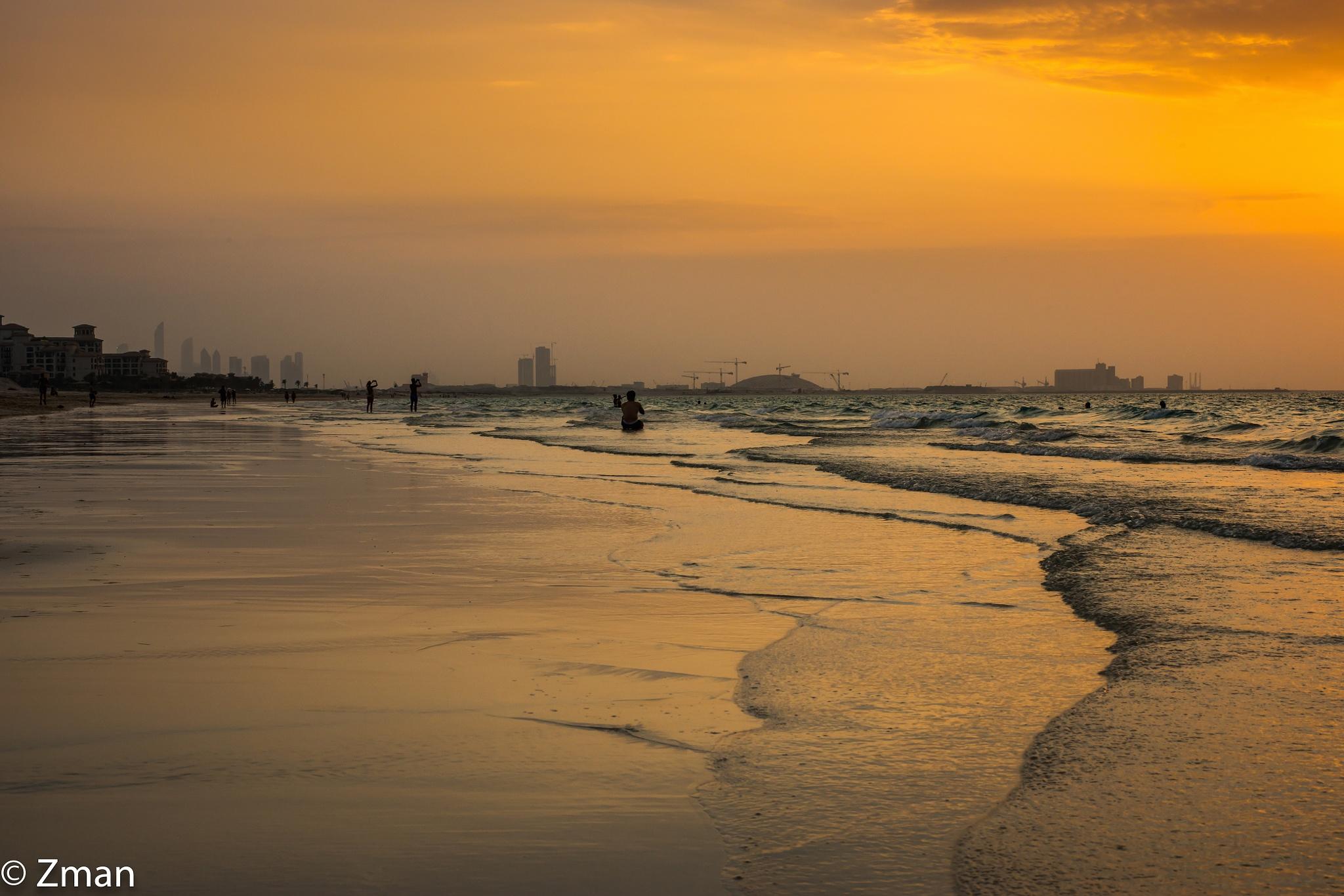 Waves keep coming on Saadiate Beach by muhammad.nasser.963