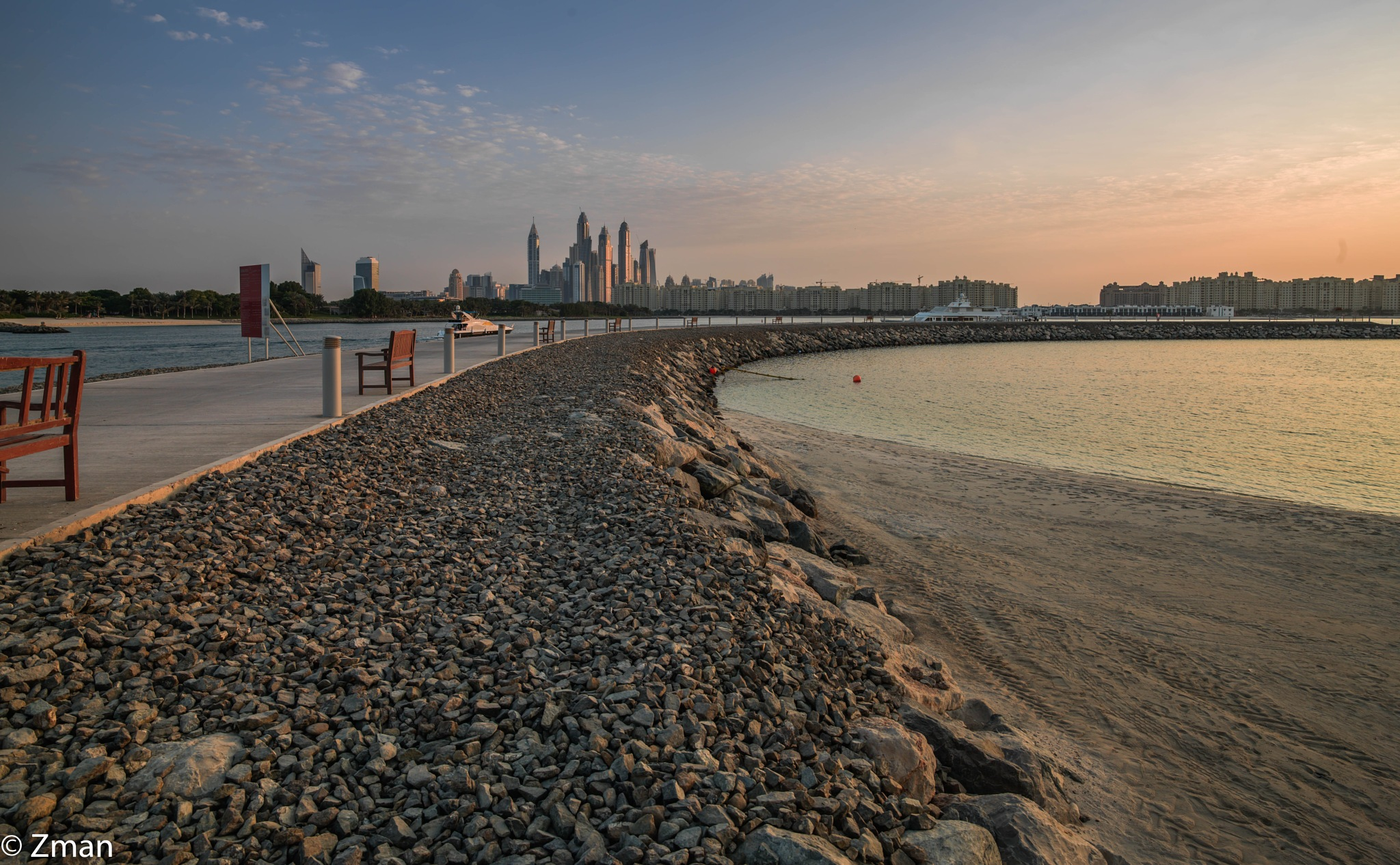 The Breakwater on the Crescent by muhammad.nasser.963