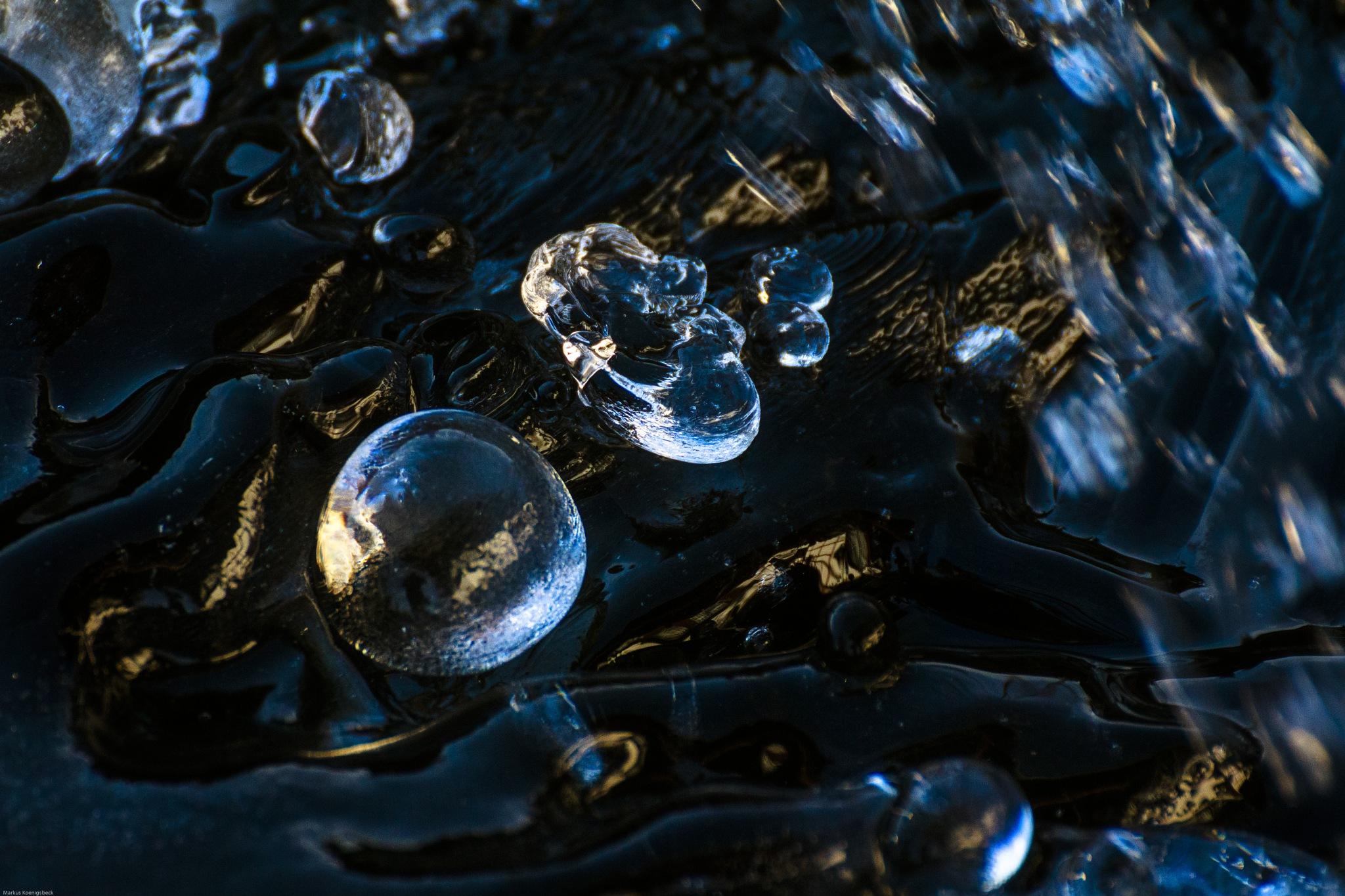 asteroids by Markus Koenigsbeck