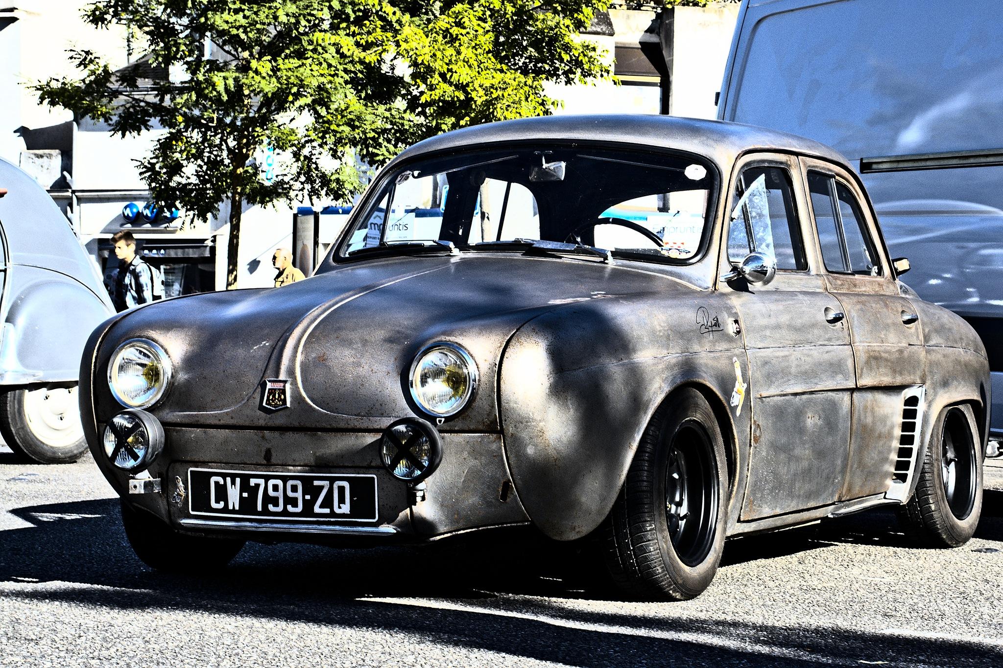 Renault Dauphine by Jean Michel Segaud