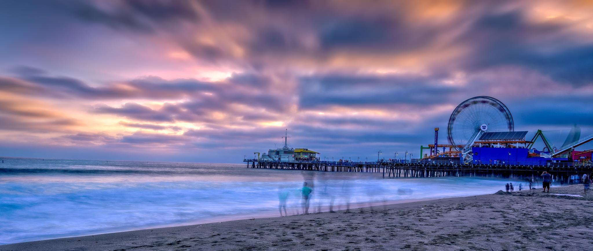 Sunset @ Santa Monica Pier by Ralph Resch