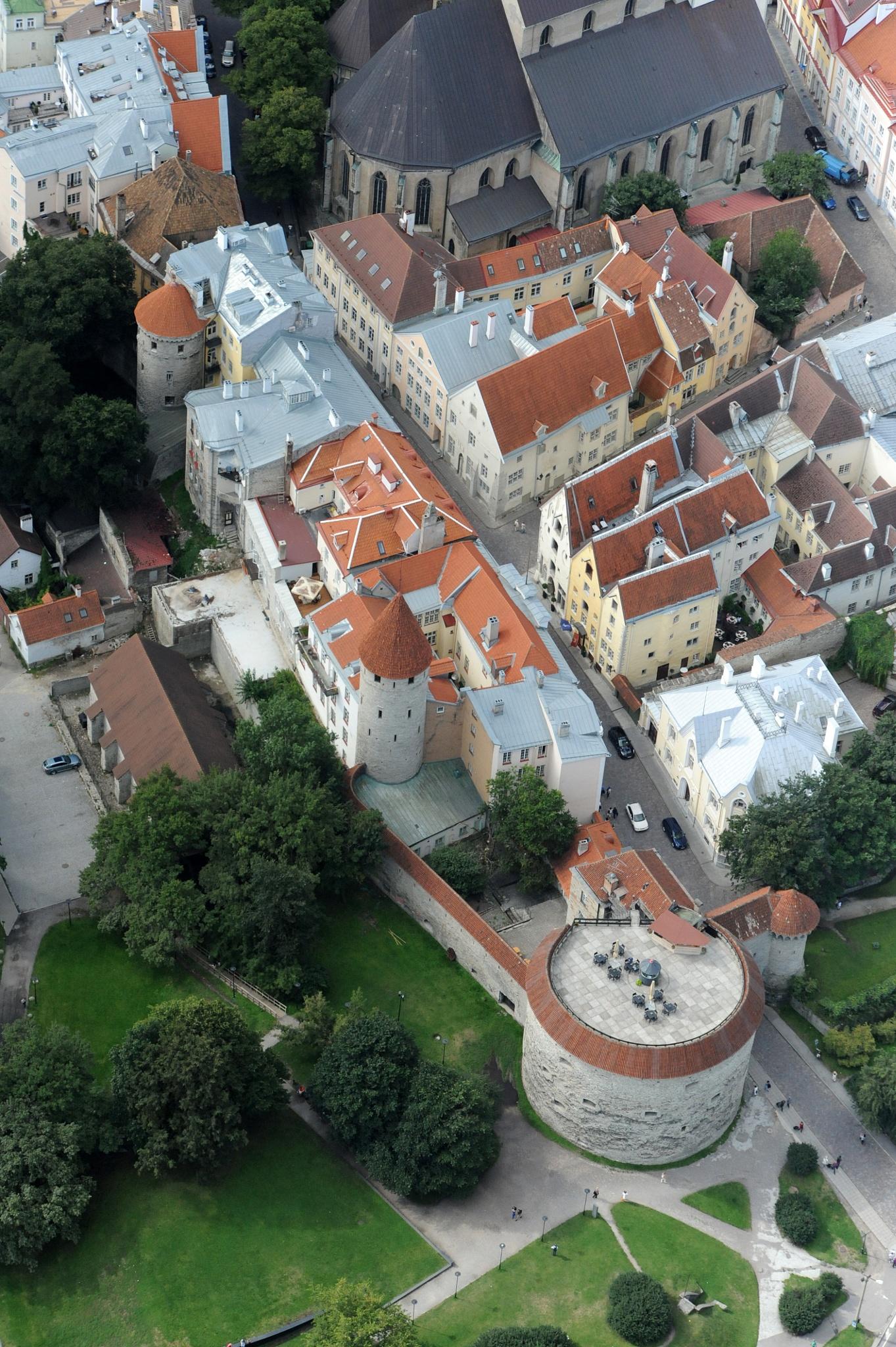 Tallinn, Estonia by Lasse Tur