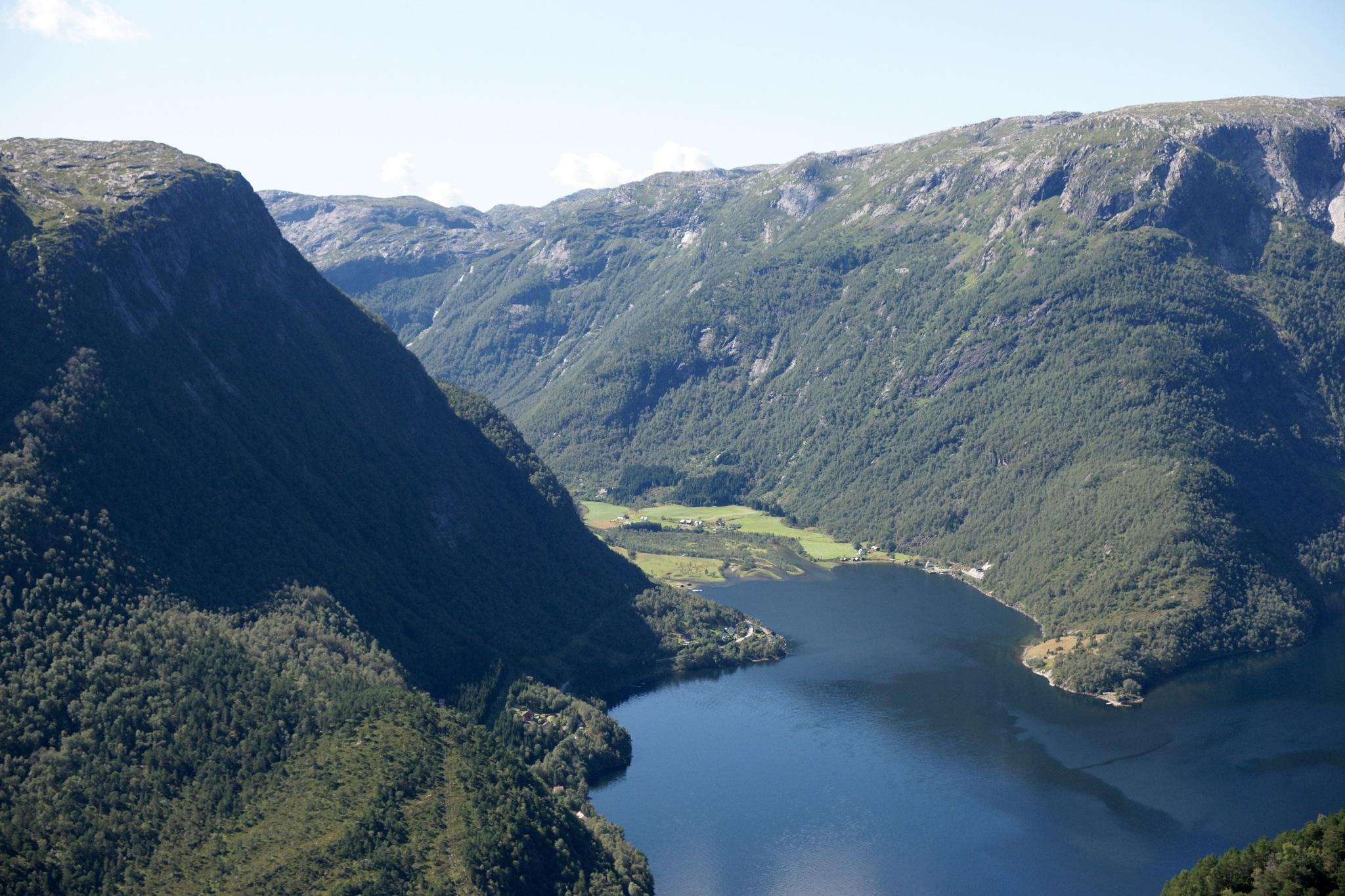 Hordaland, Norway by Lasse Tur
