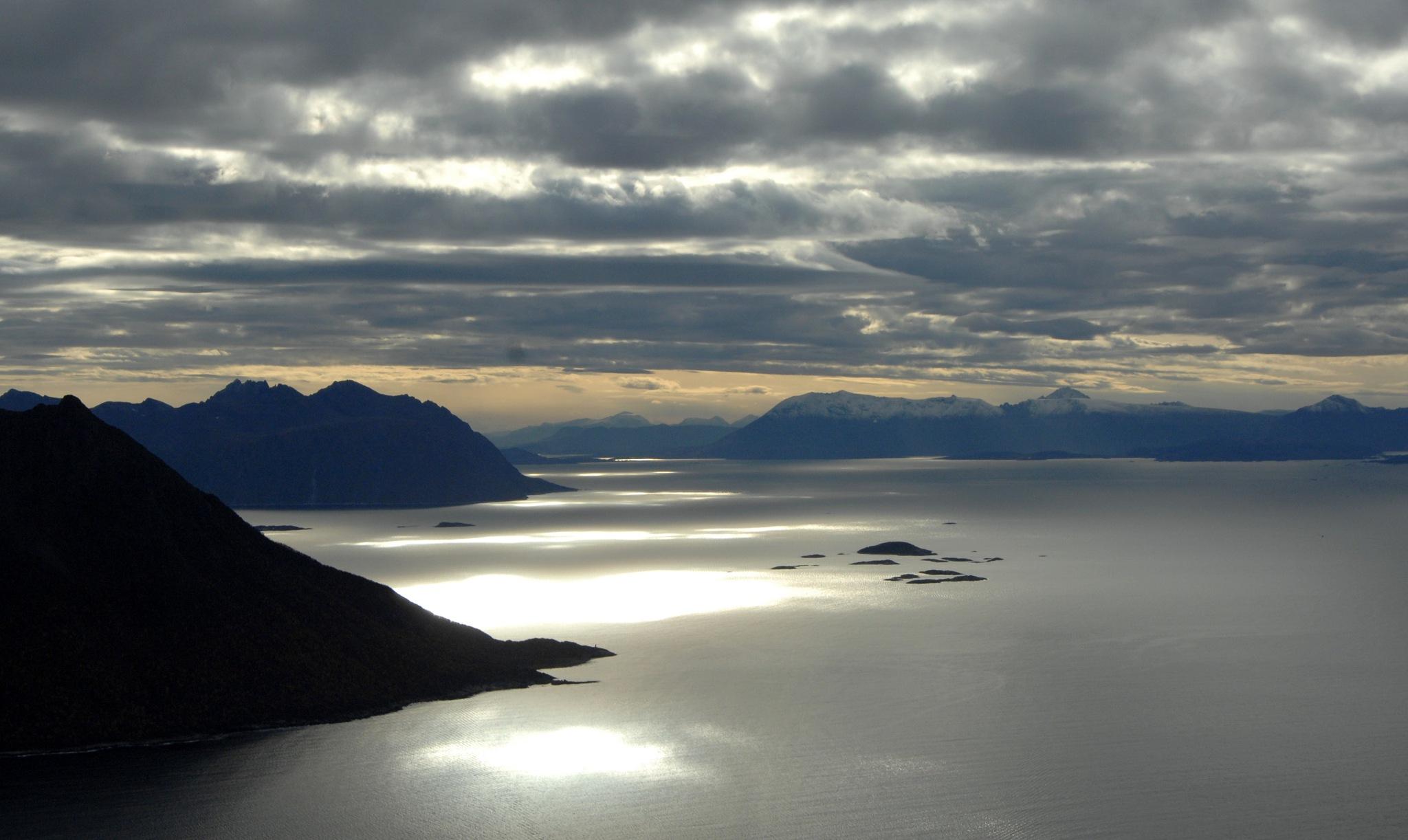 Senja, Troms by Lasse Tur