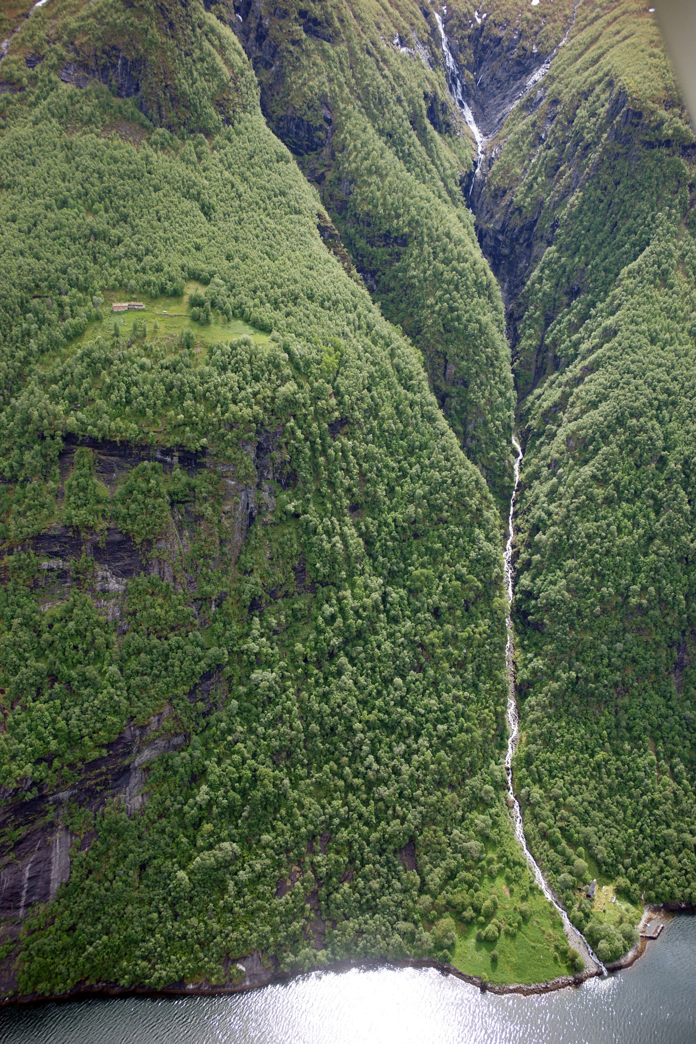 Geiranger, Norge by Lasse Tur