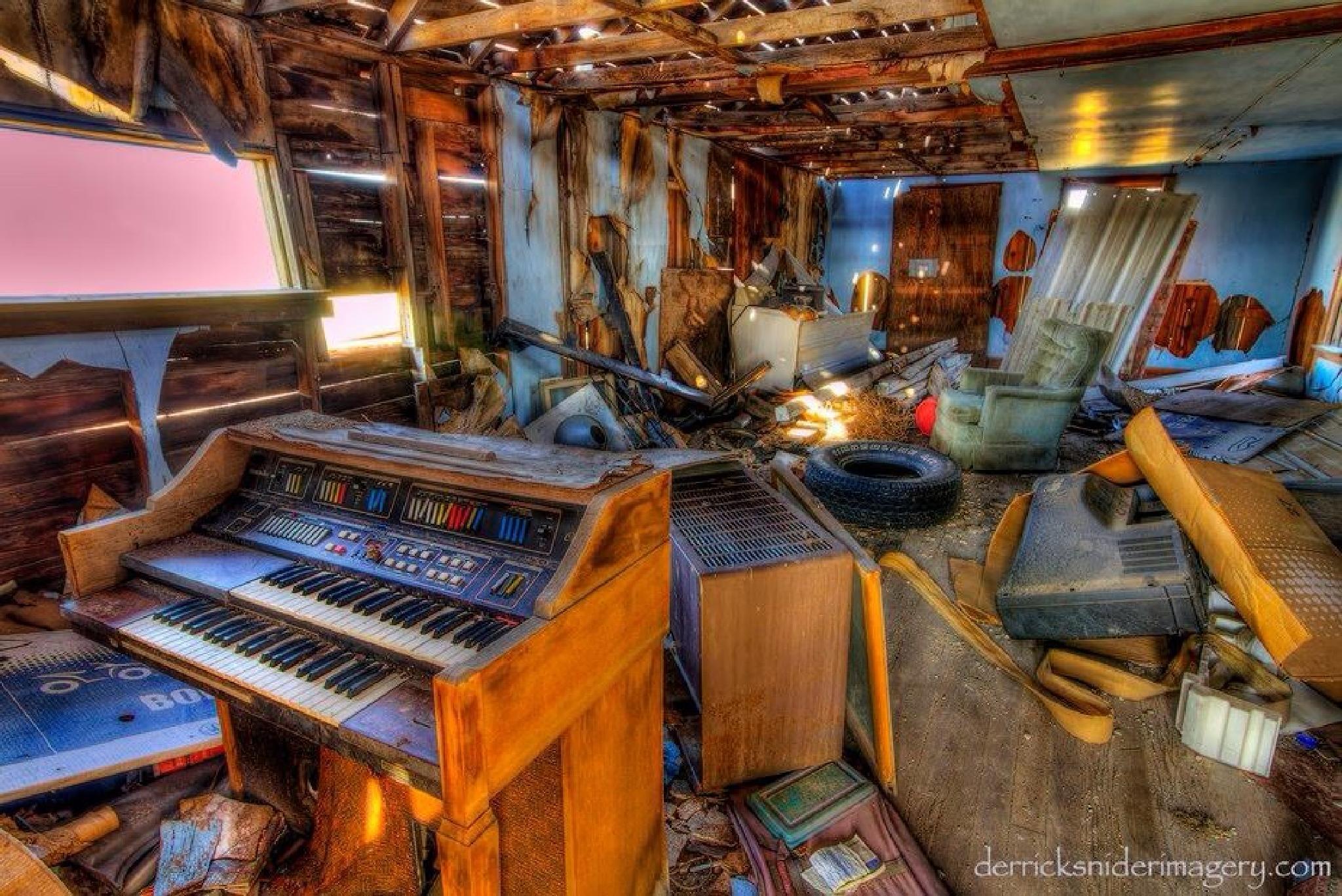 Lair Of The Organ Grinder by derricksniderimagery