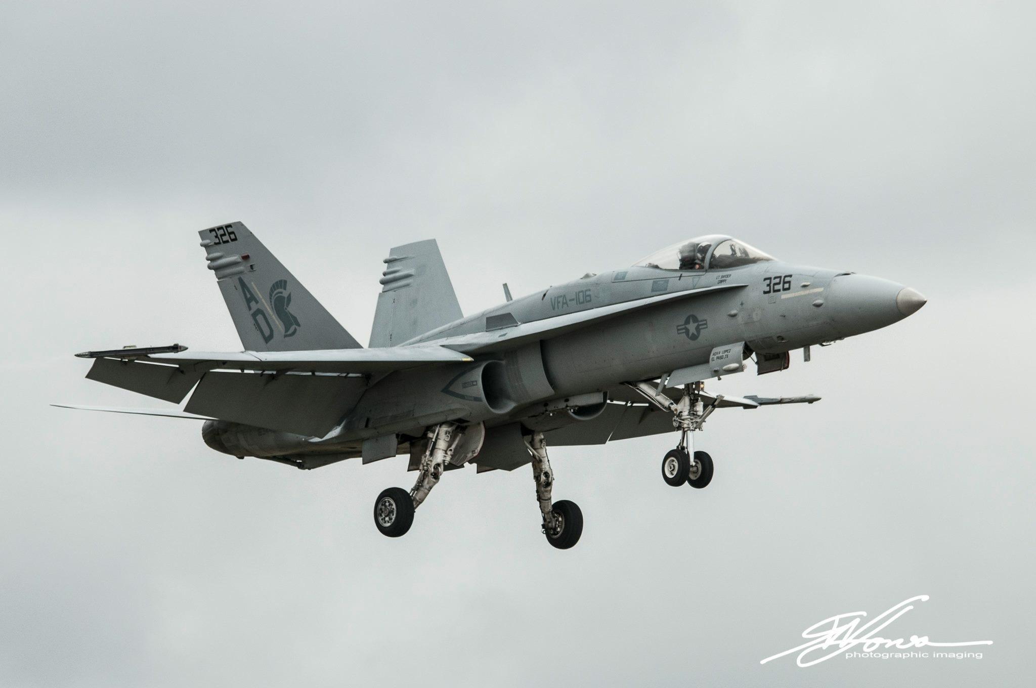 US Navy VFA-106 F/18 Tac Demo Team by gwjones317