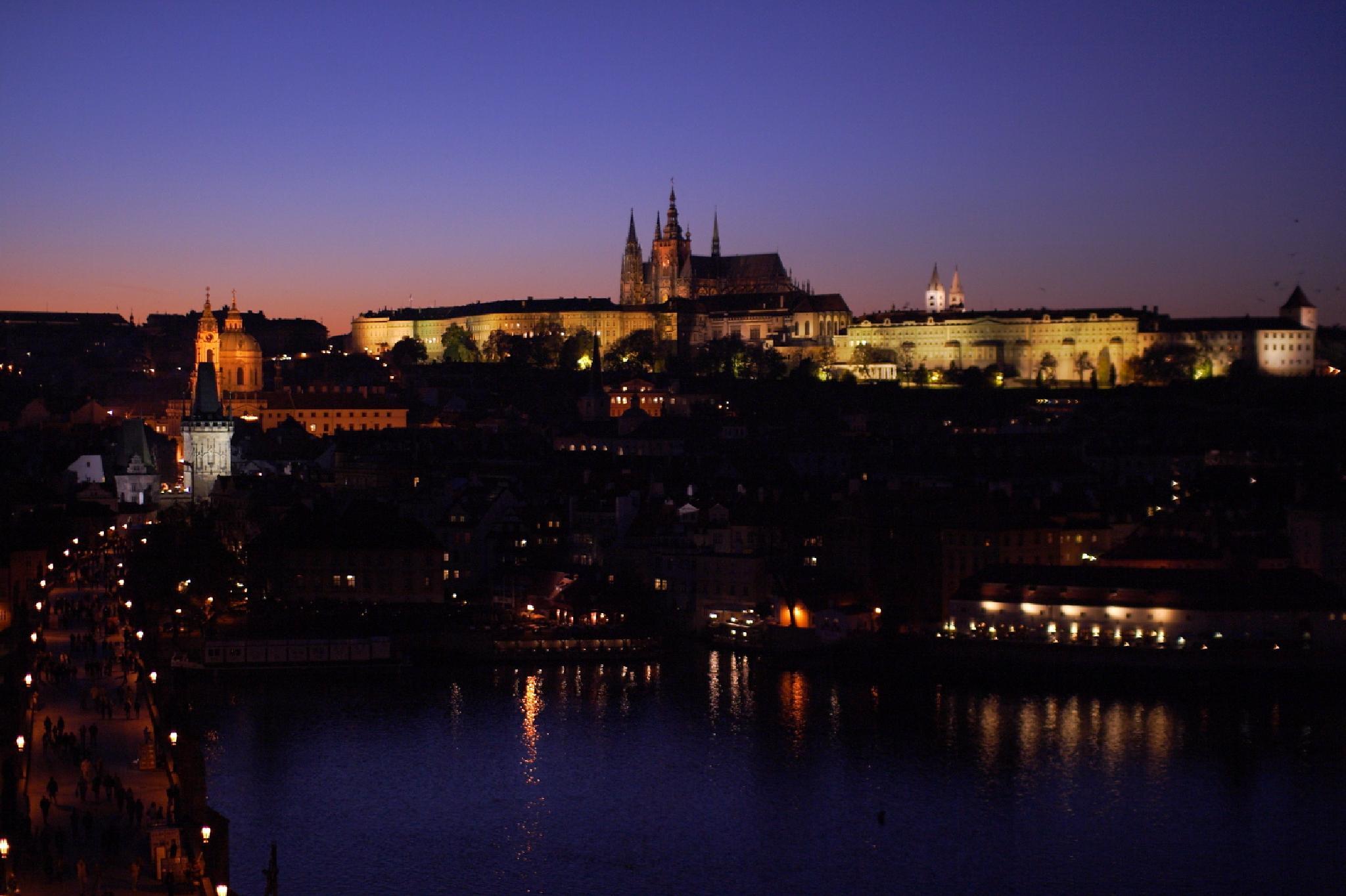 Prague Castle and Charles Bridge by takashi.mizoguchi
