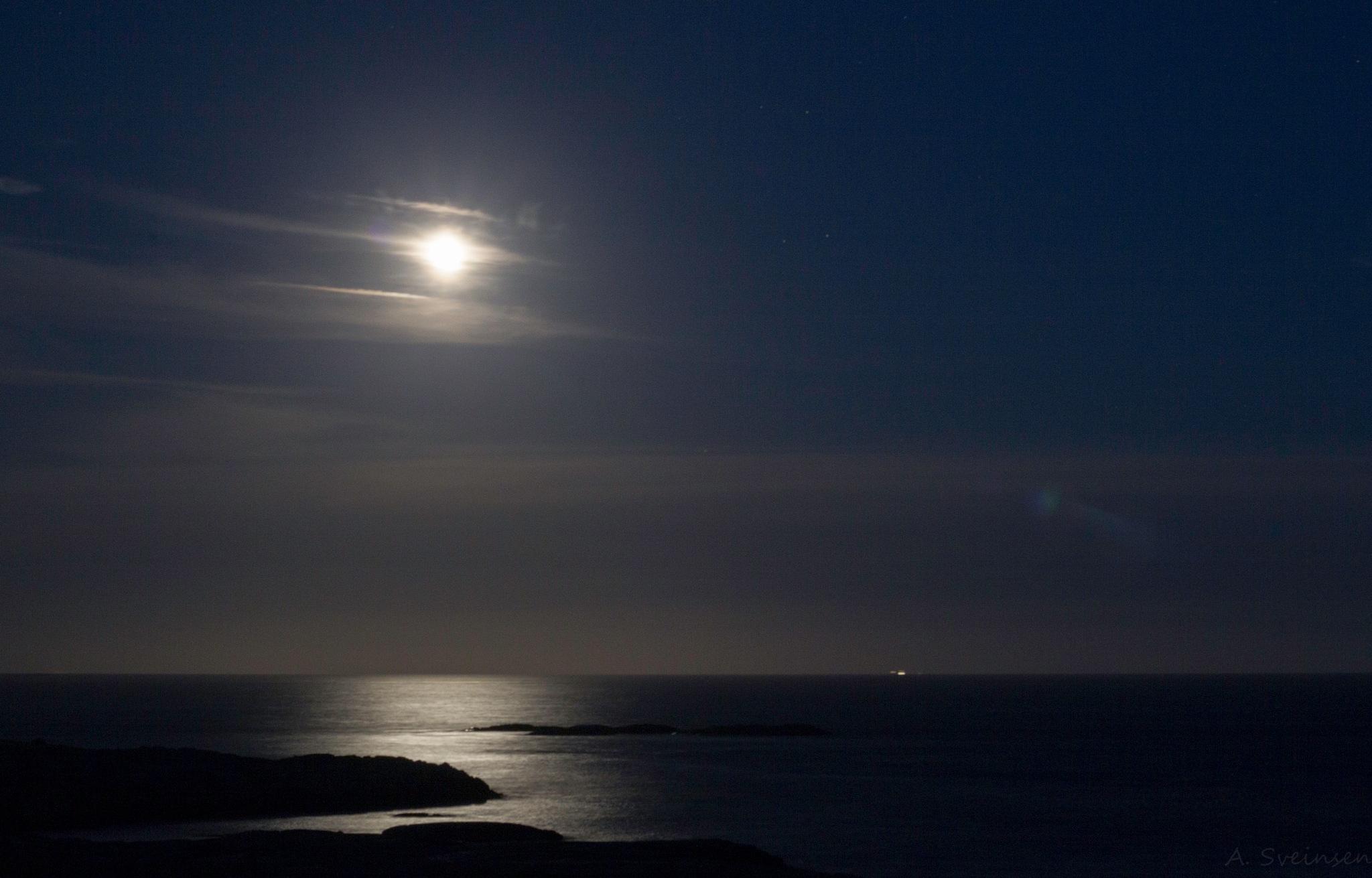 Moon above Skagerrak. by sveinsen