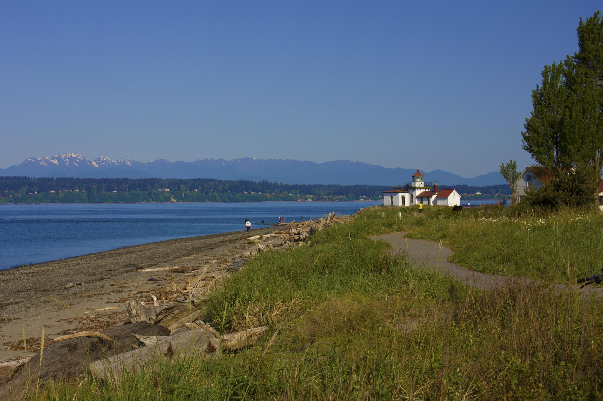 Lighthouse at Discovery Park by Josh Harrison