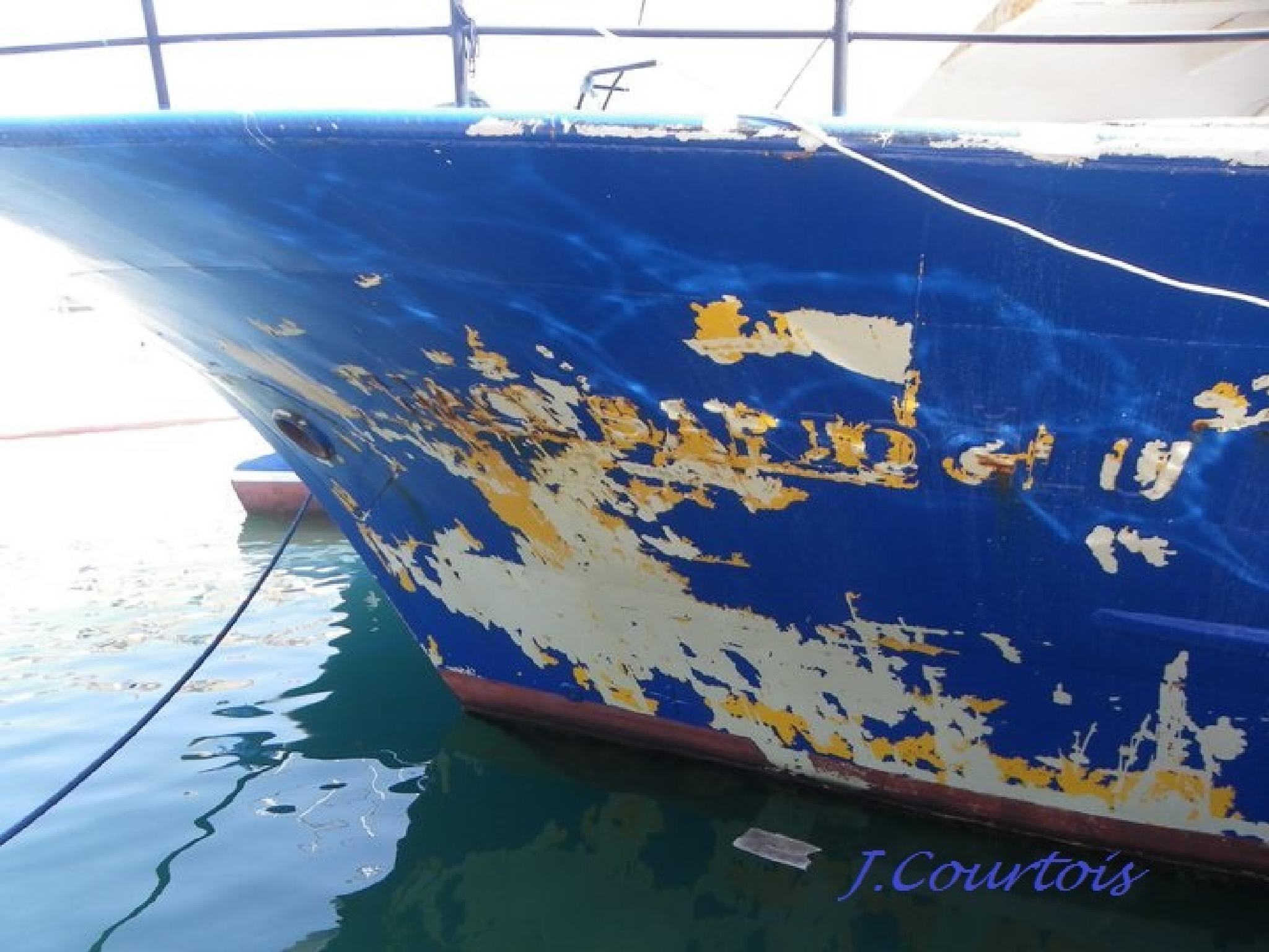 blue boat by joel.courtois