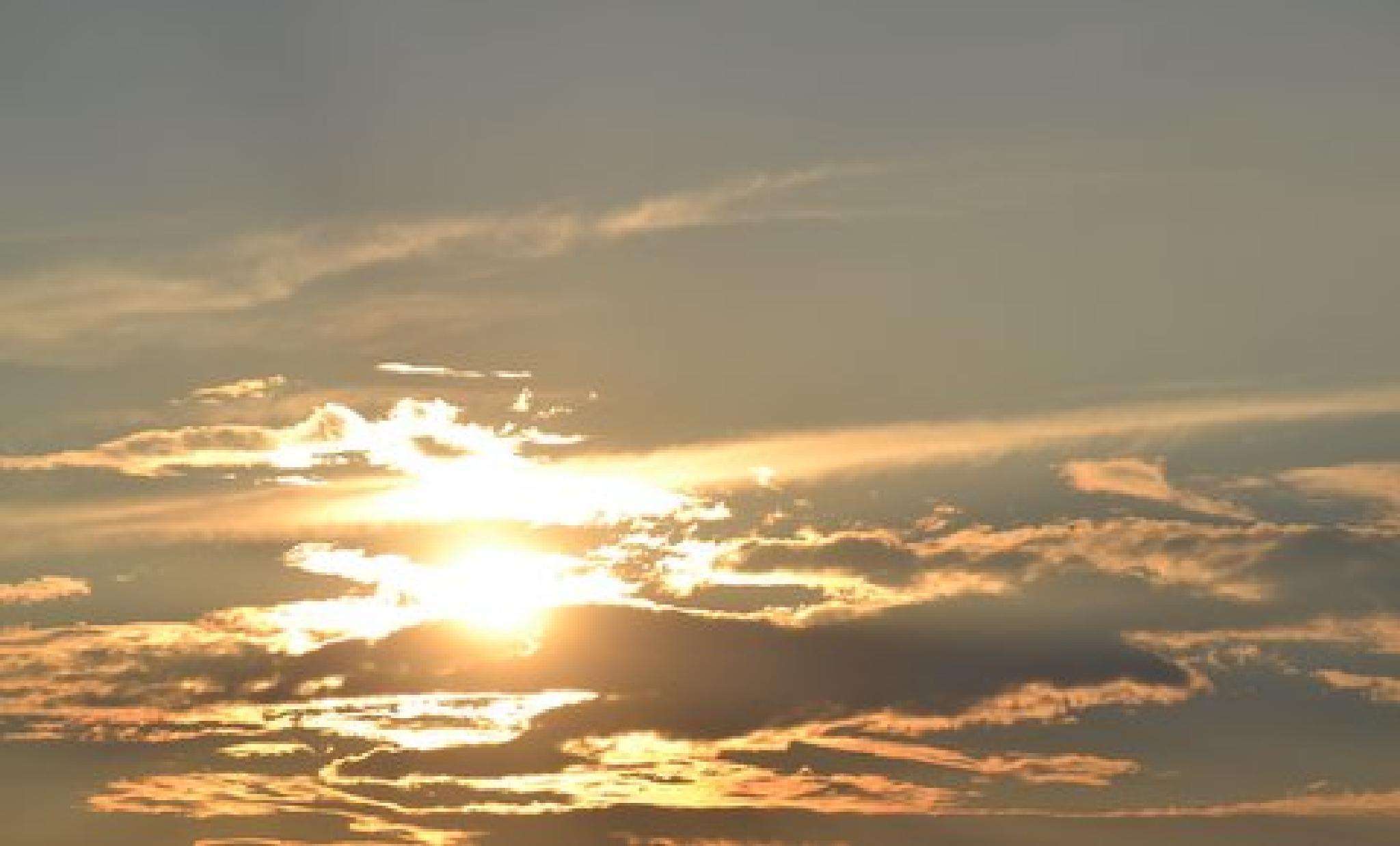 Sunset by lindandarrell