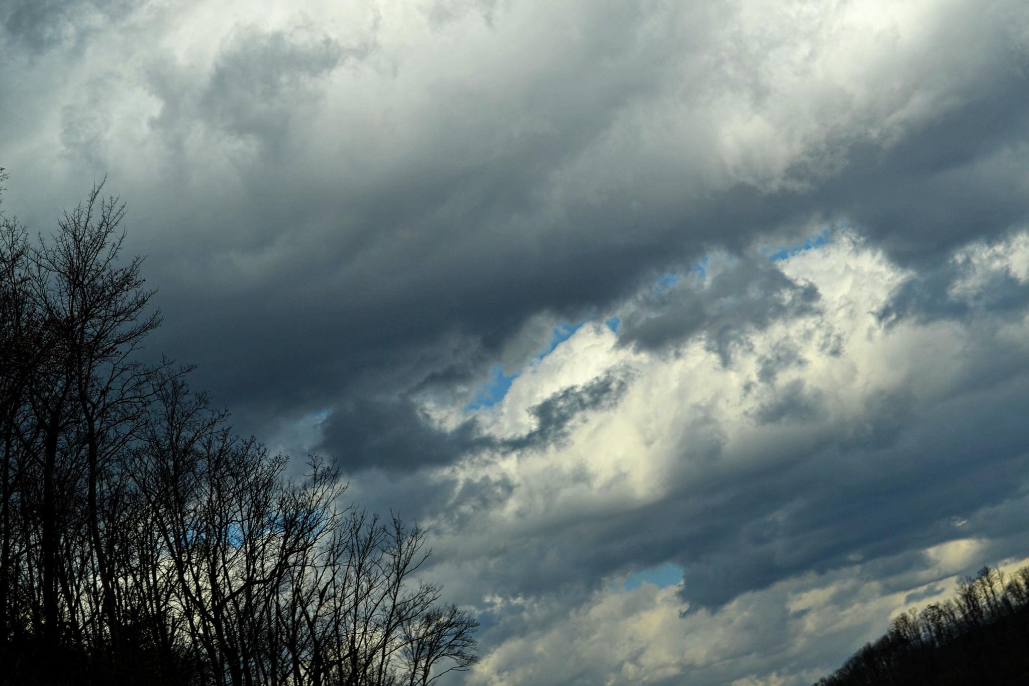 Thick Clouds by lindandarrell