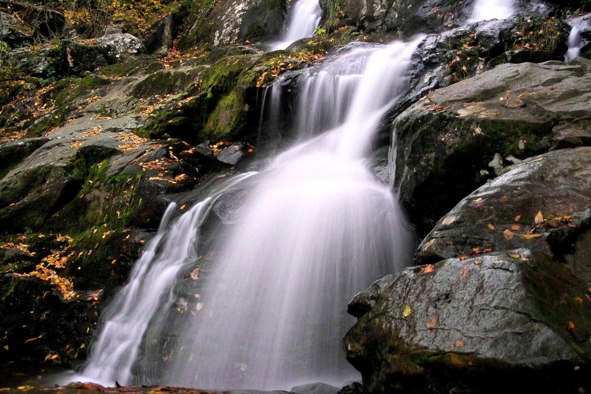 Waterfall by munacra