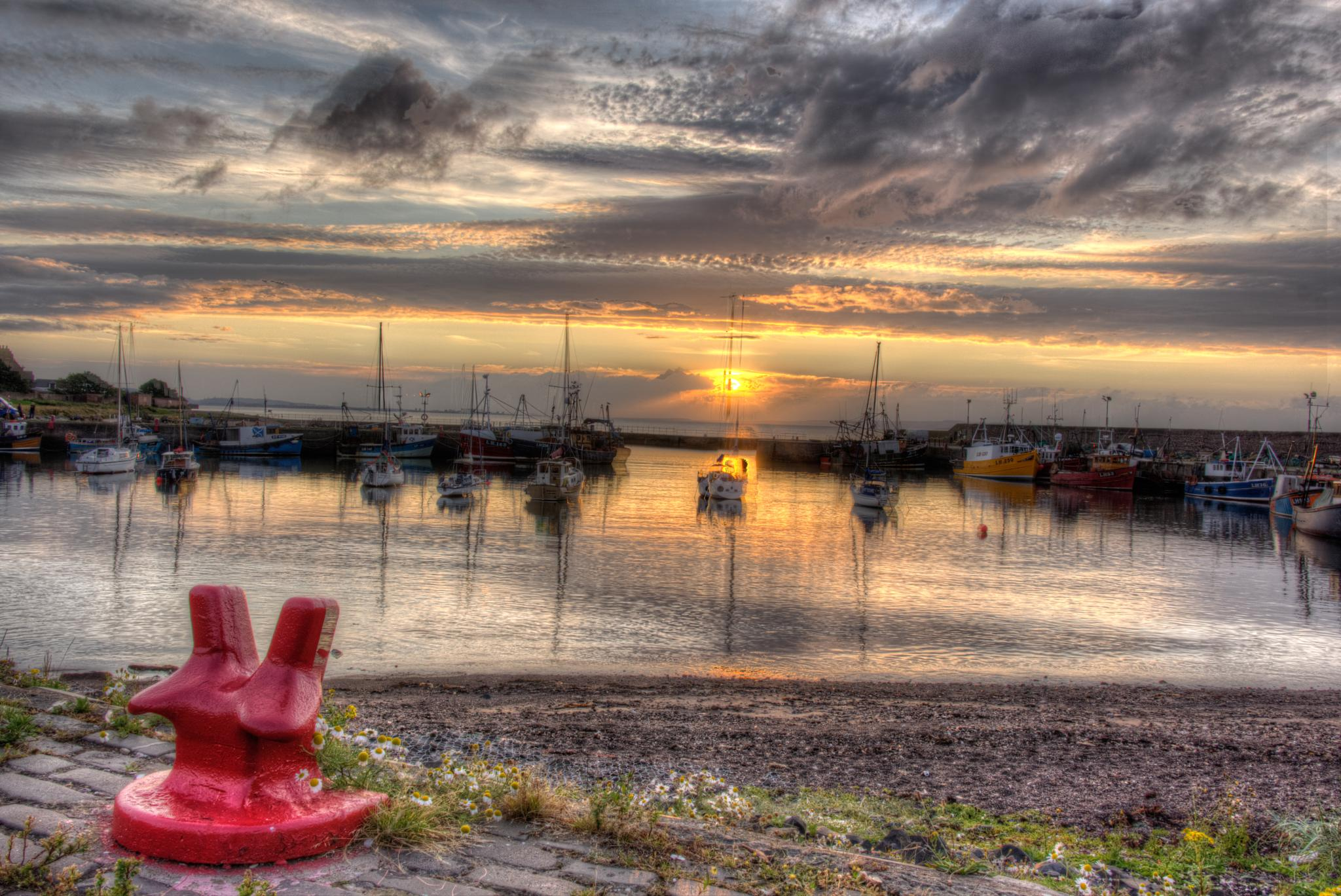 Port Seton Sunset by lawson mcculloch