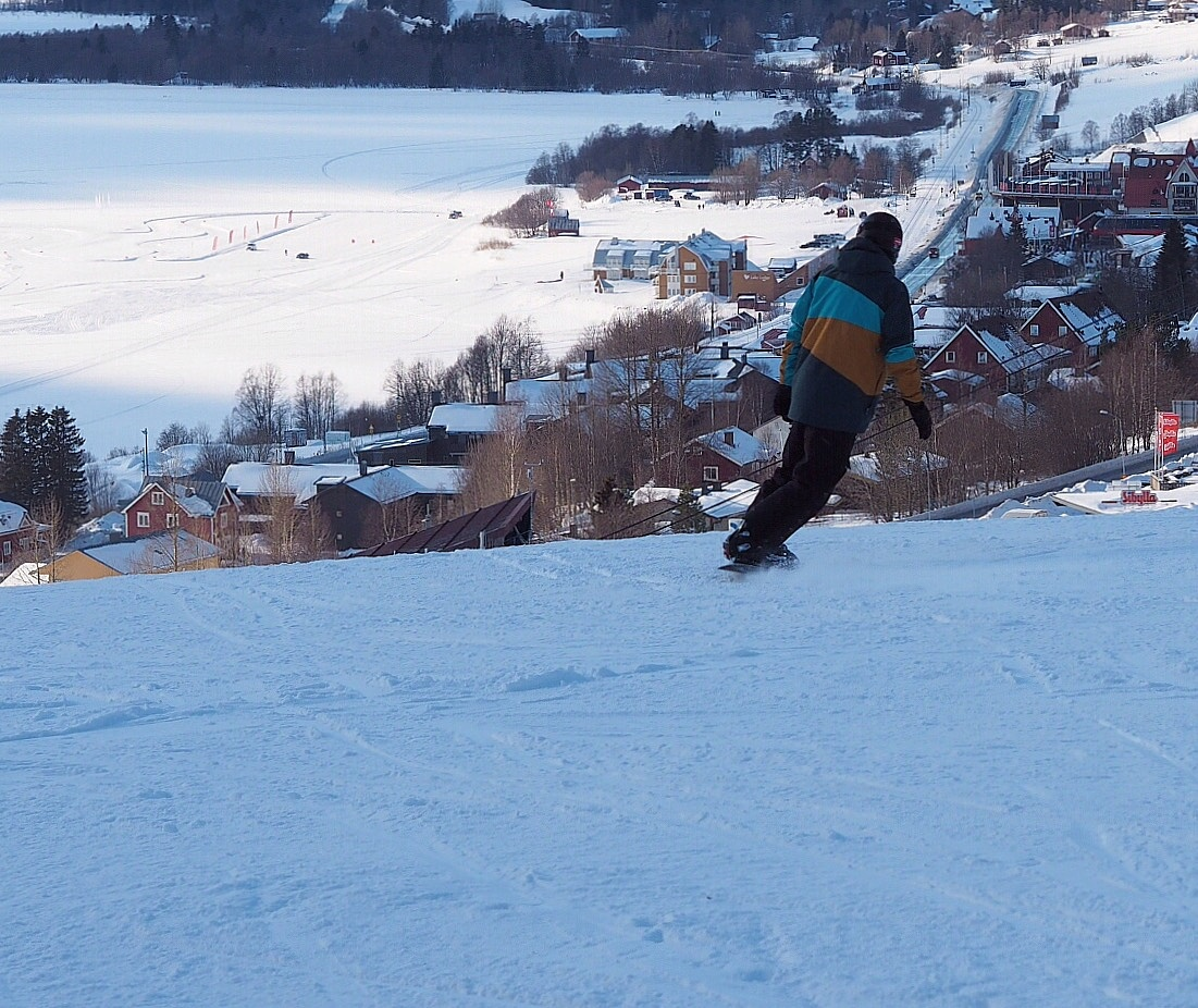 On a skiboard by lundhanders