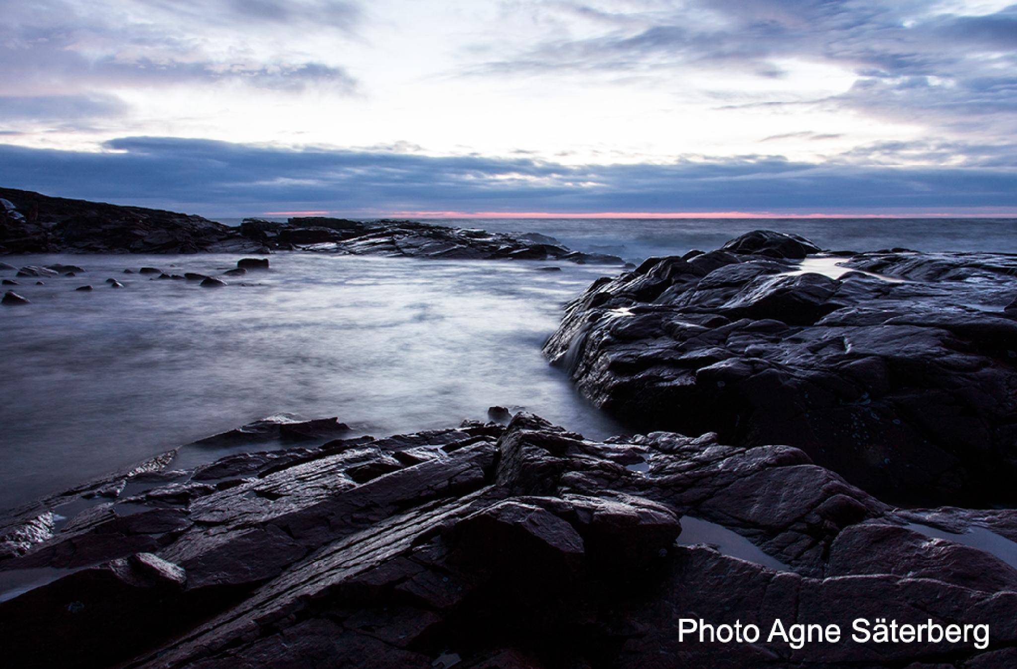 Sunrise early morning 2015-01-17 at Nordingrå High Coast by Agne Säterberg