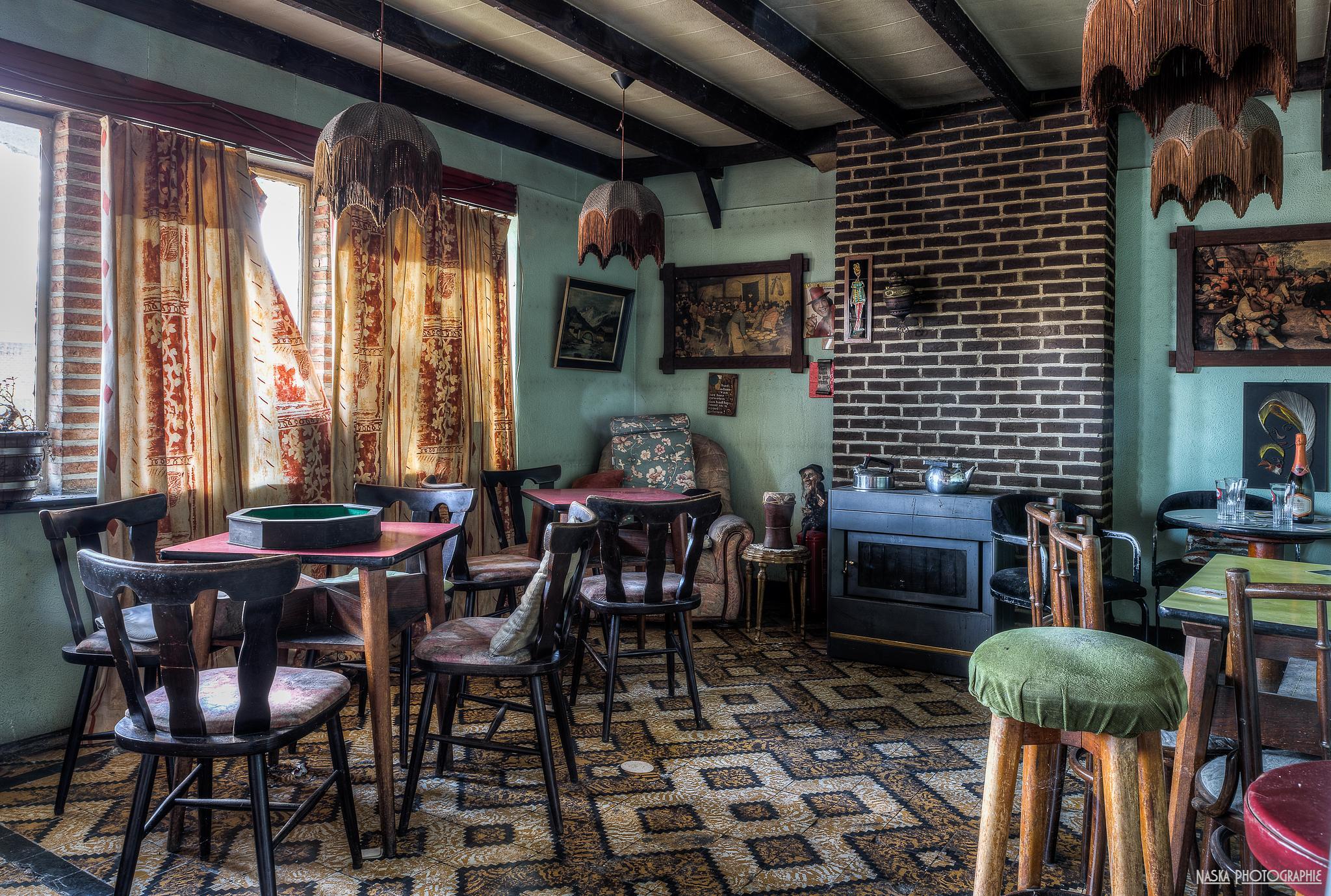 Mobidic's bar - Le salle de jeux by Naska photographie