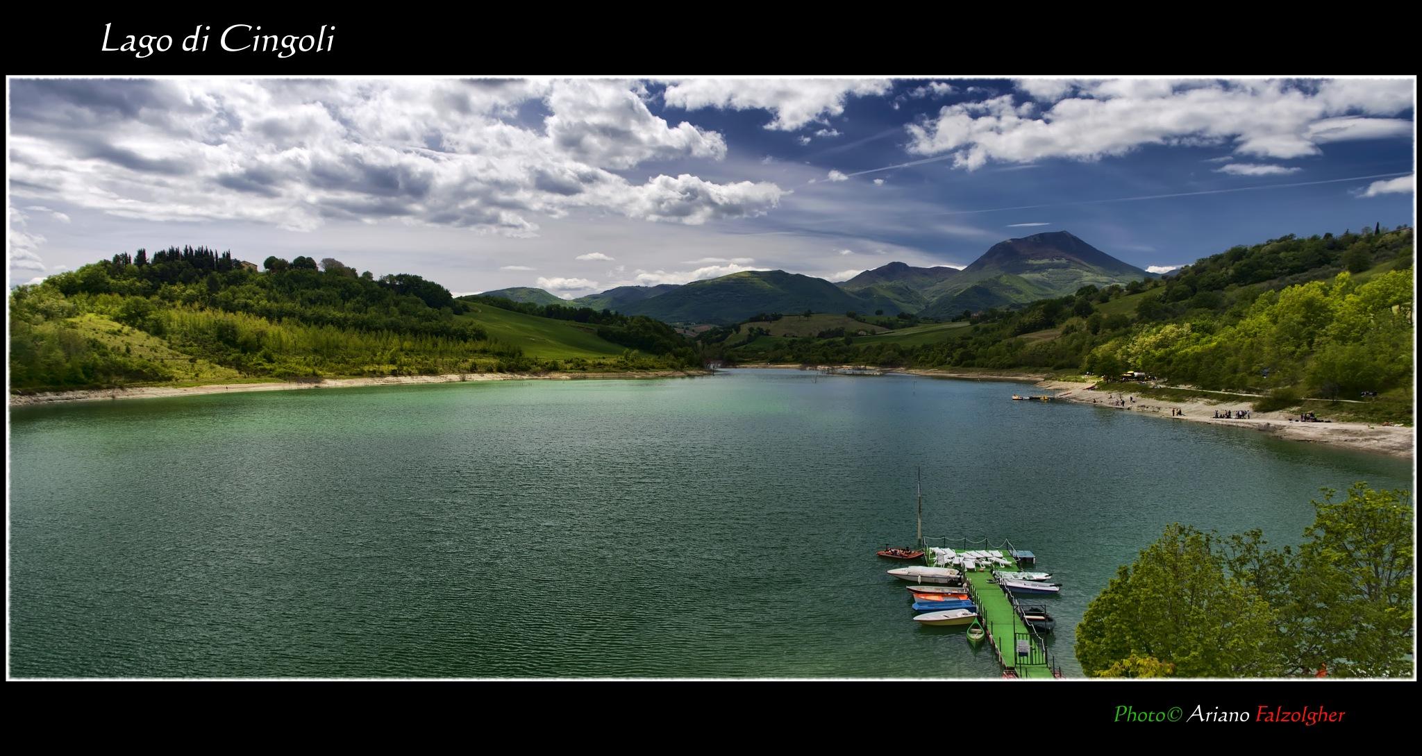 Lago di Cingoli by Ariano Falzolgher